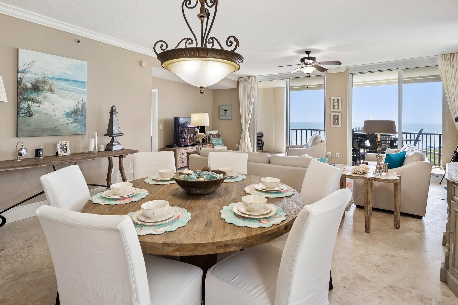 Photo of home for sale at 874 Venus, Fort Walton Beach FL