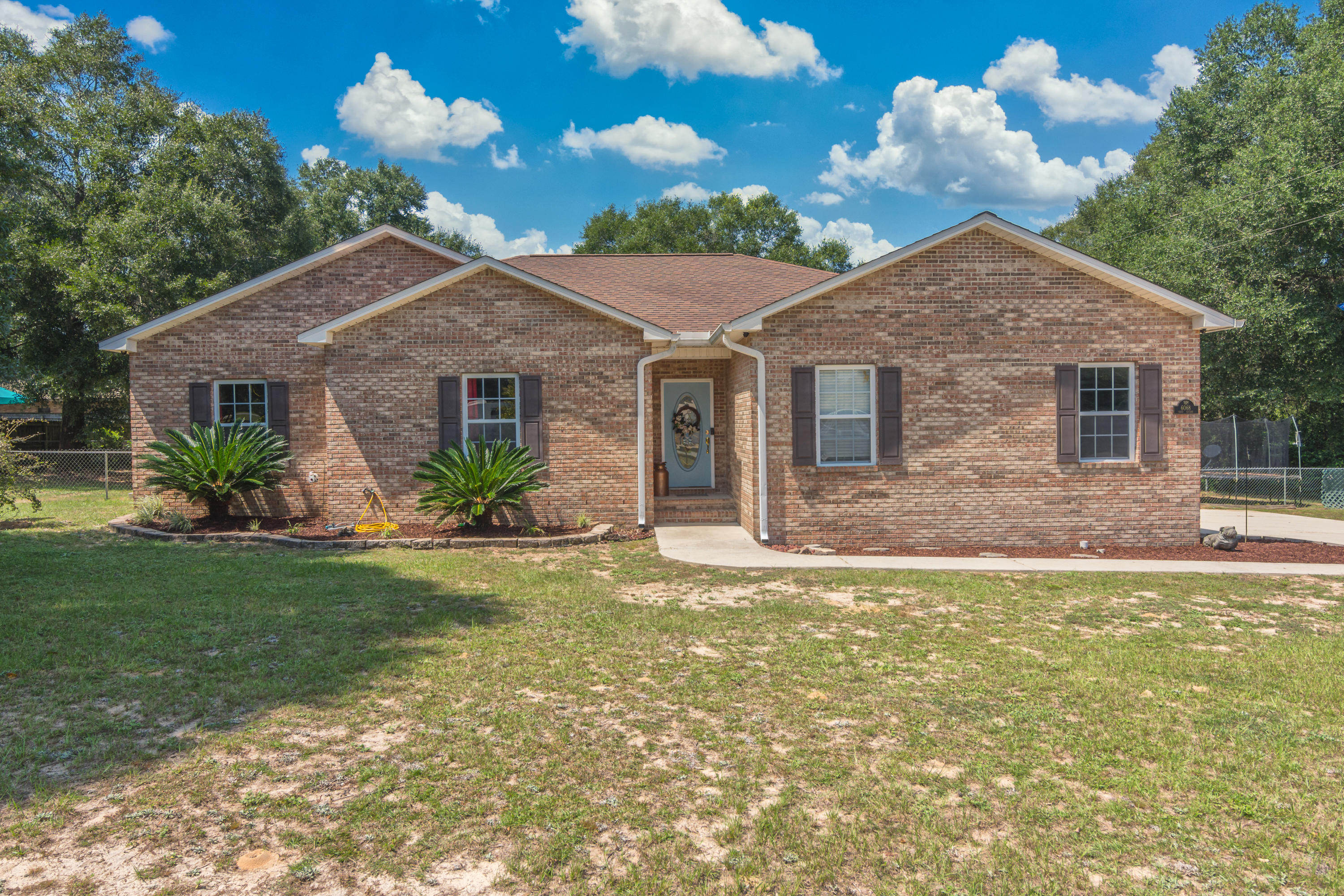 Photo of home for sale at 6068 Eden, Crestview FL