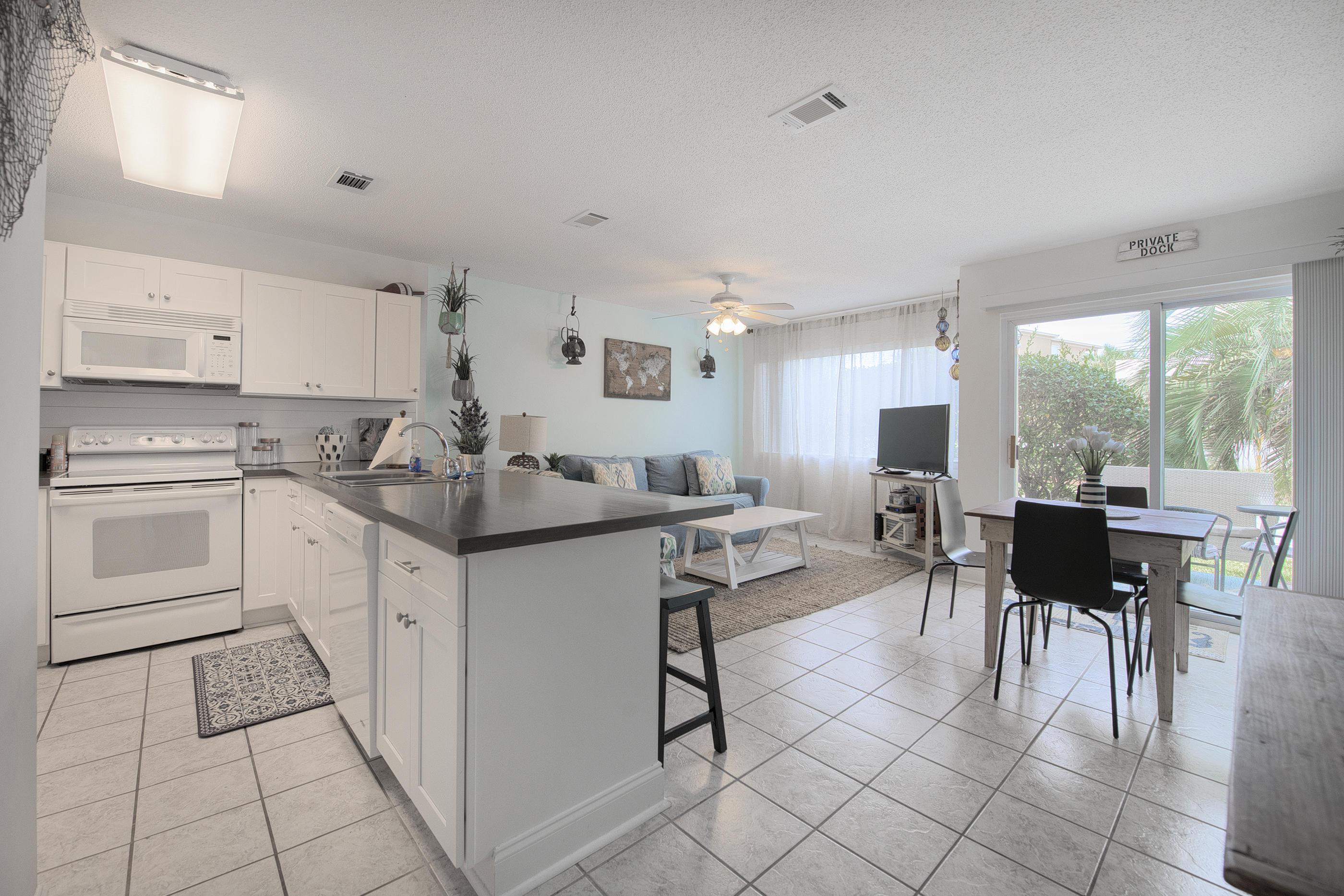 Photo of home for sale at 485 Gulf Shore, Destin FL