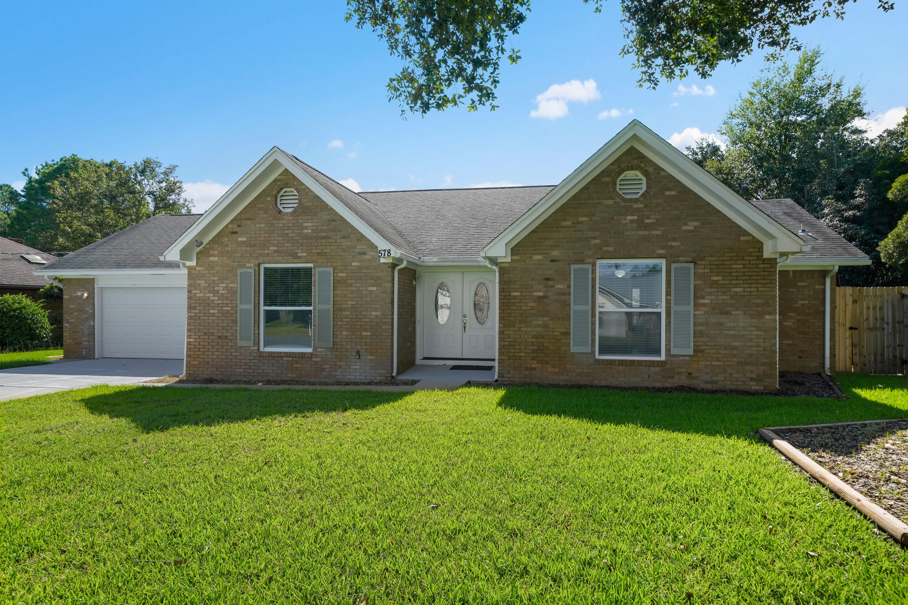 Photo of home for sale at 578 Timberlake, Mary Esther FL
