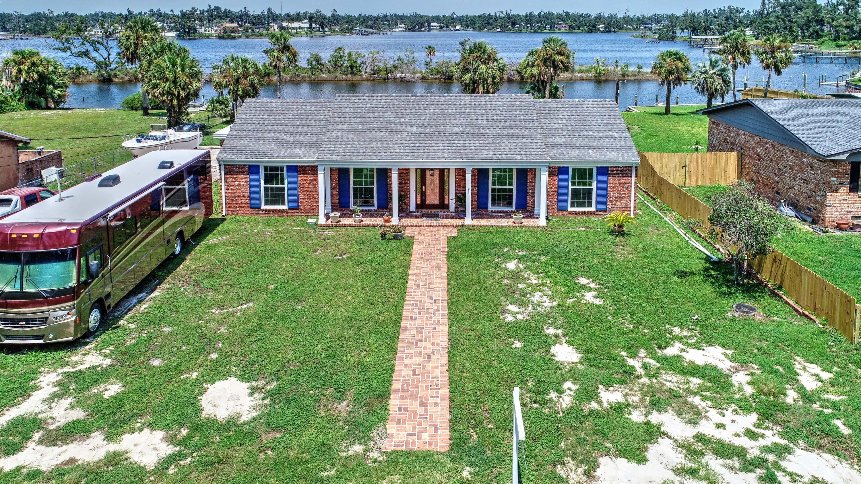 Photo of home for sale at 4805 Sunset, Panama City FL