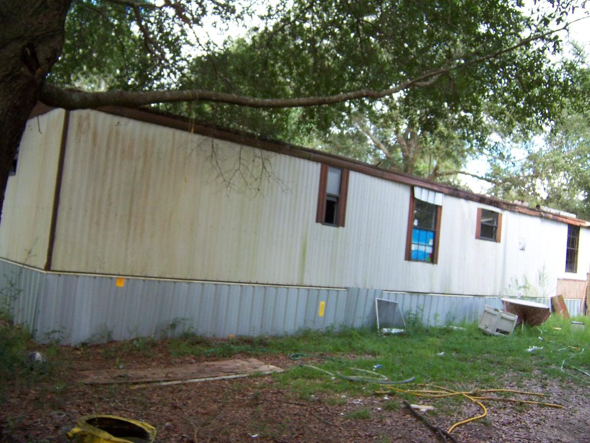 Photo of home for sale at 5731 Co Hwy 1087, Defuniak Springs FL