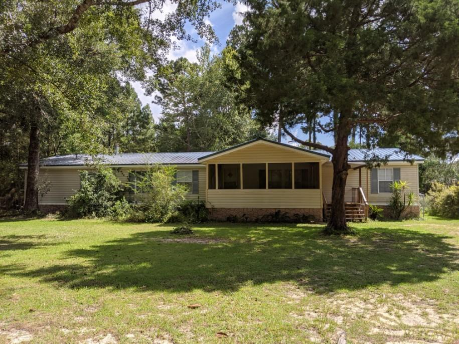 Photo of home for sale at 2845 Fl-20, Freeport FL