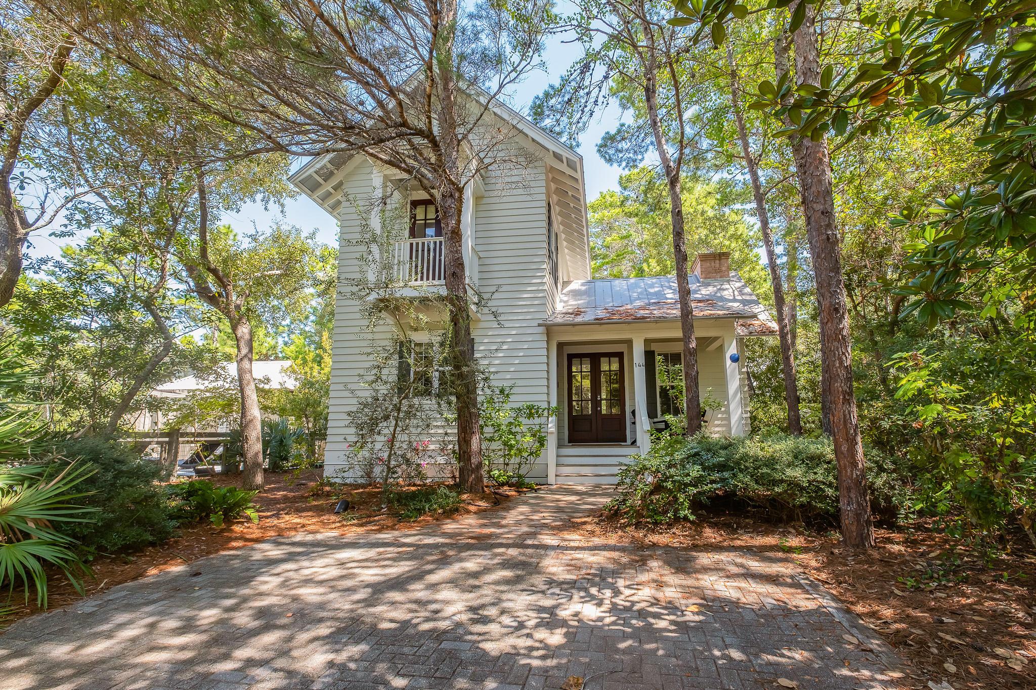Photo of home for sale at 144 Hammock, Santa Rosa Beach FL