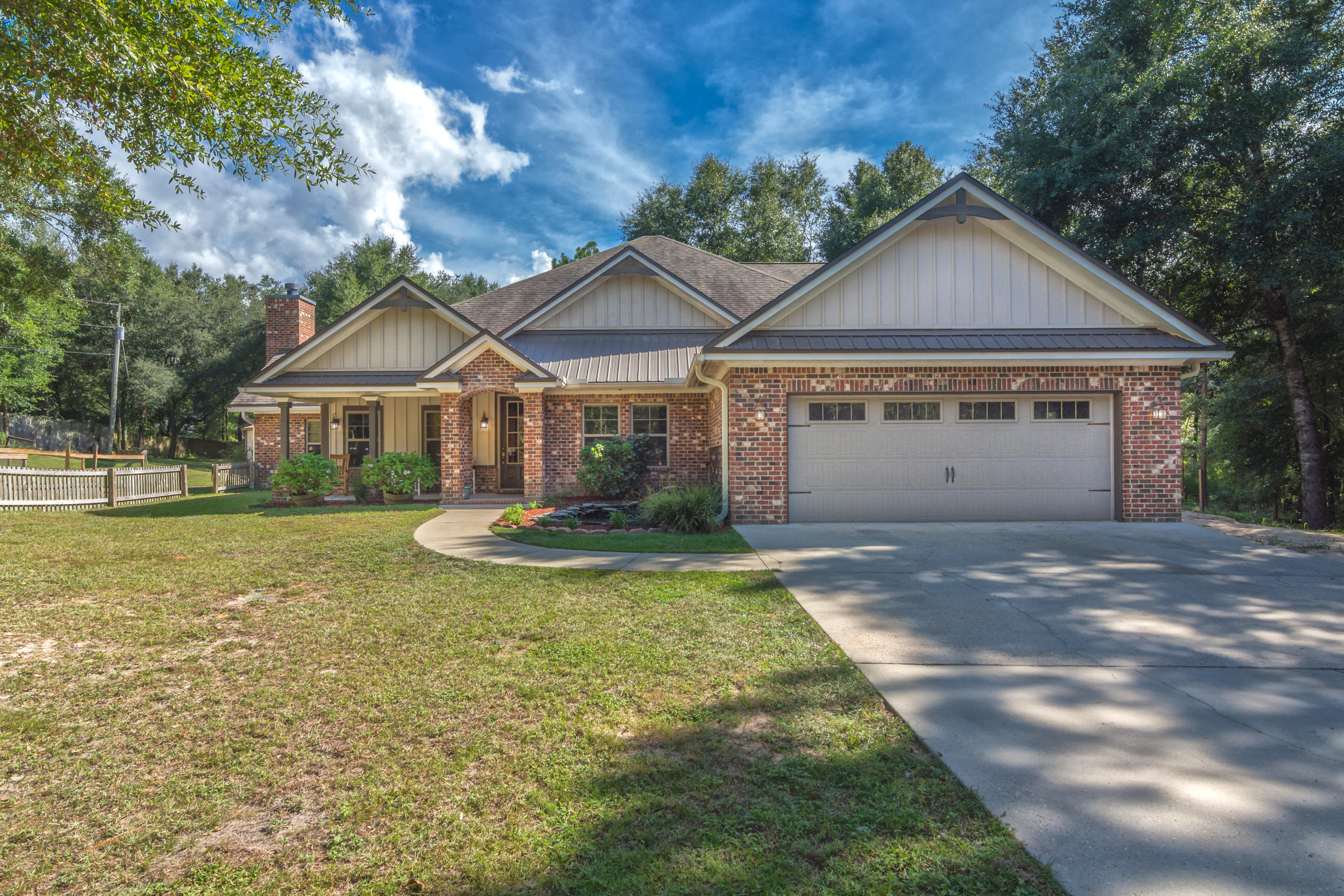 Photo of home for sale at 2734 Hugo, Crestview FL