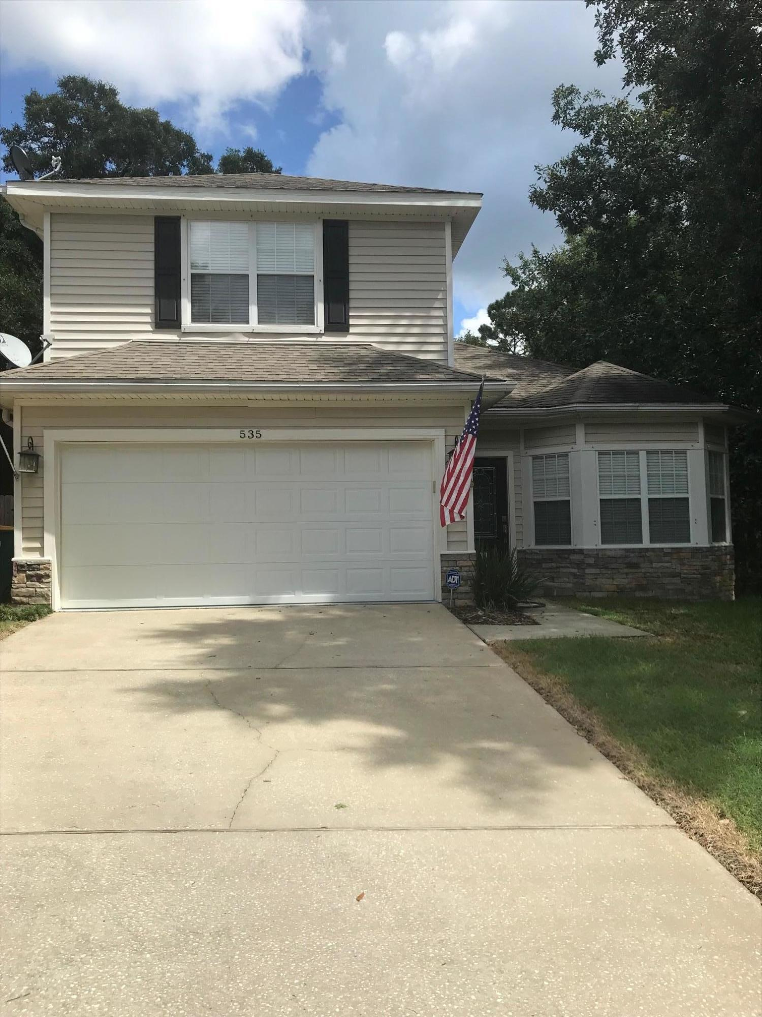 Photo of home for sale at 535 Maple, Niceville FL