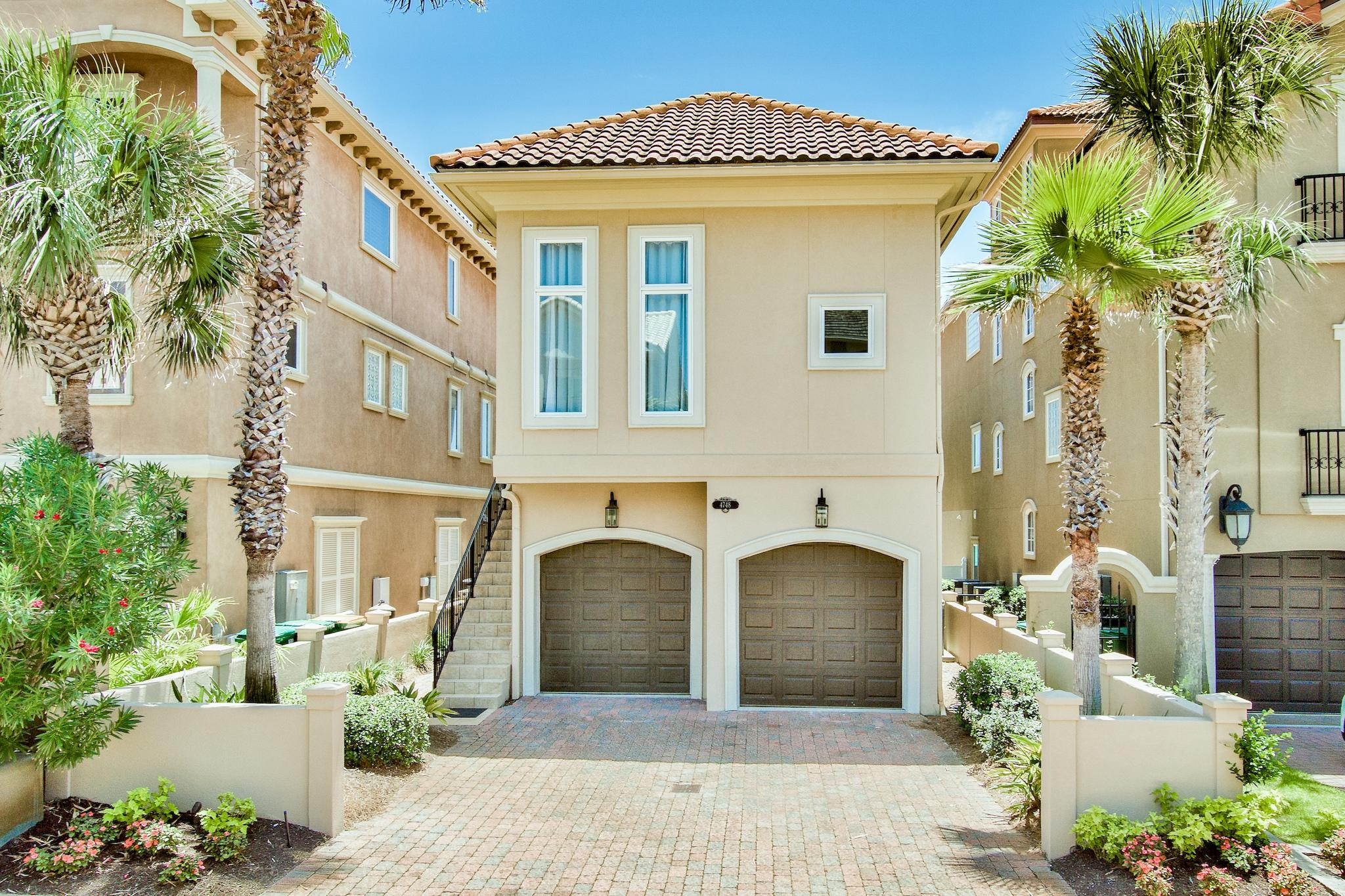 Photo of home for sale at 4748 Ocean, Destin FL