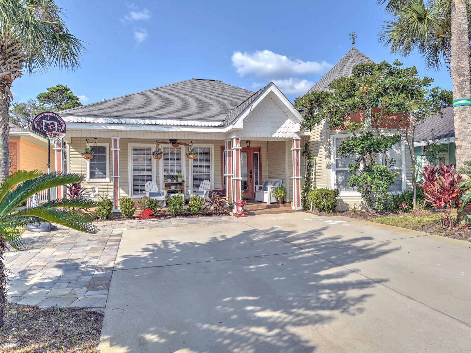 Photo of home for sale at 4581 Woodwind, Destin FL