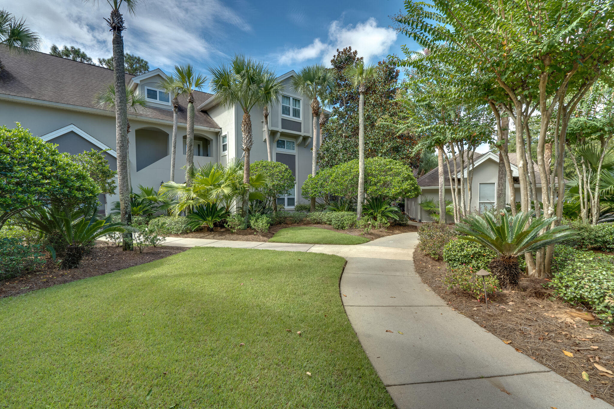 Photo of home for sale at 8567 Turnberry, Miramar Beach FL