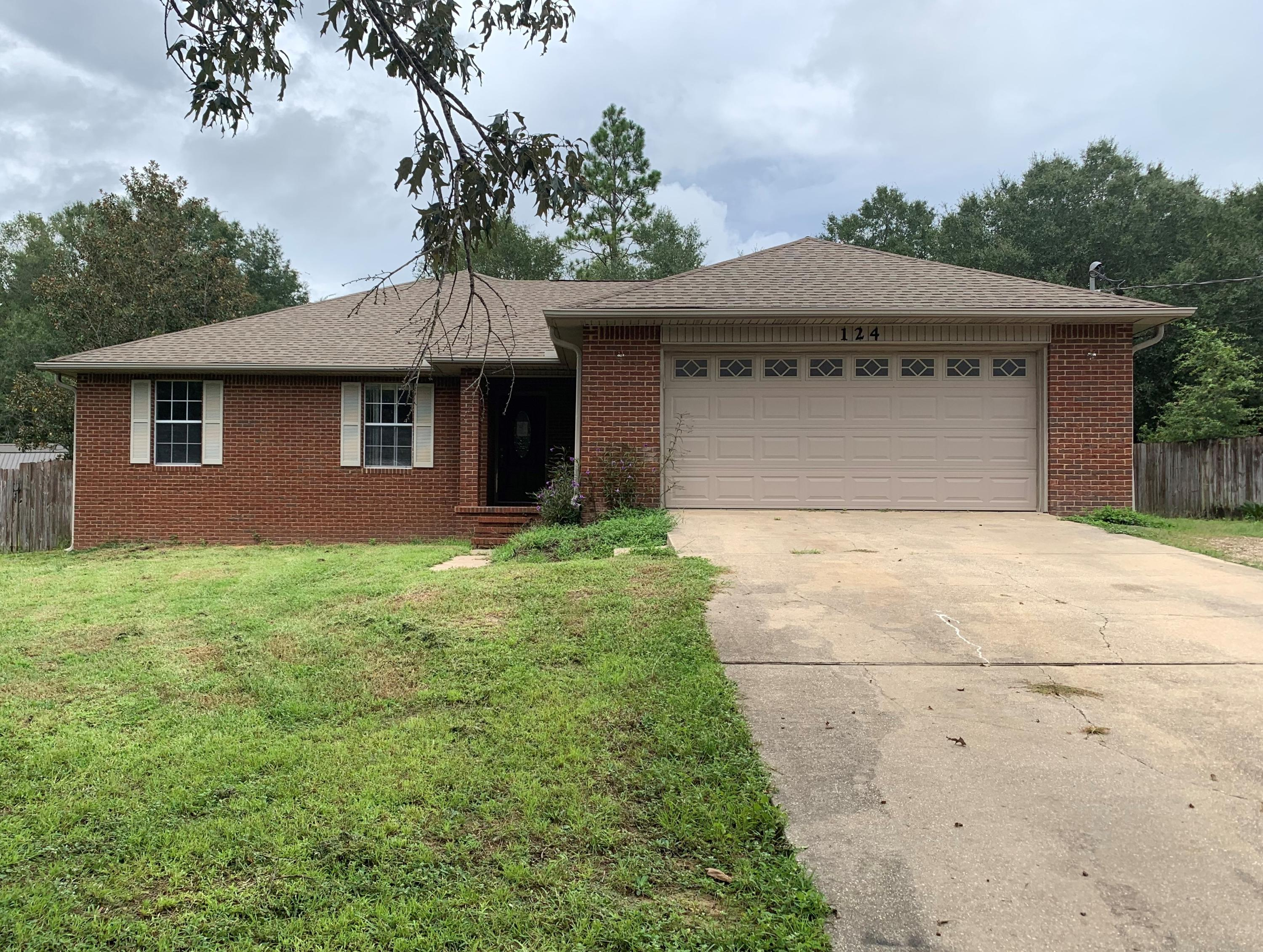 Photo of home for sale at 124 Jacob, Crestview FL