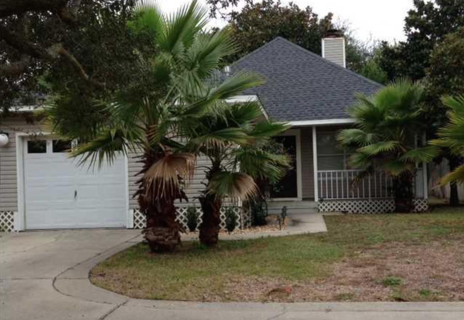 Photo of home for sale at 325 Main, Destin FL