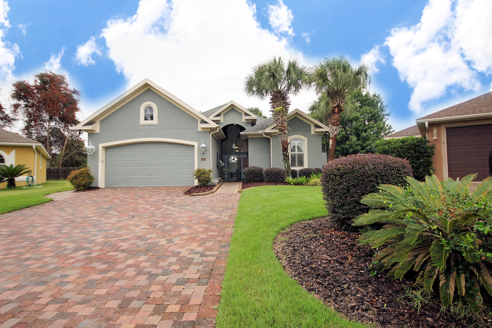 Photo of home for sale at 1030 Napa, Niceville FL