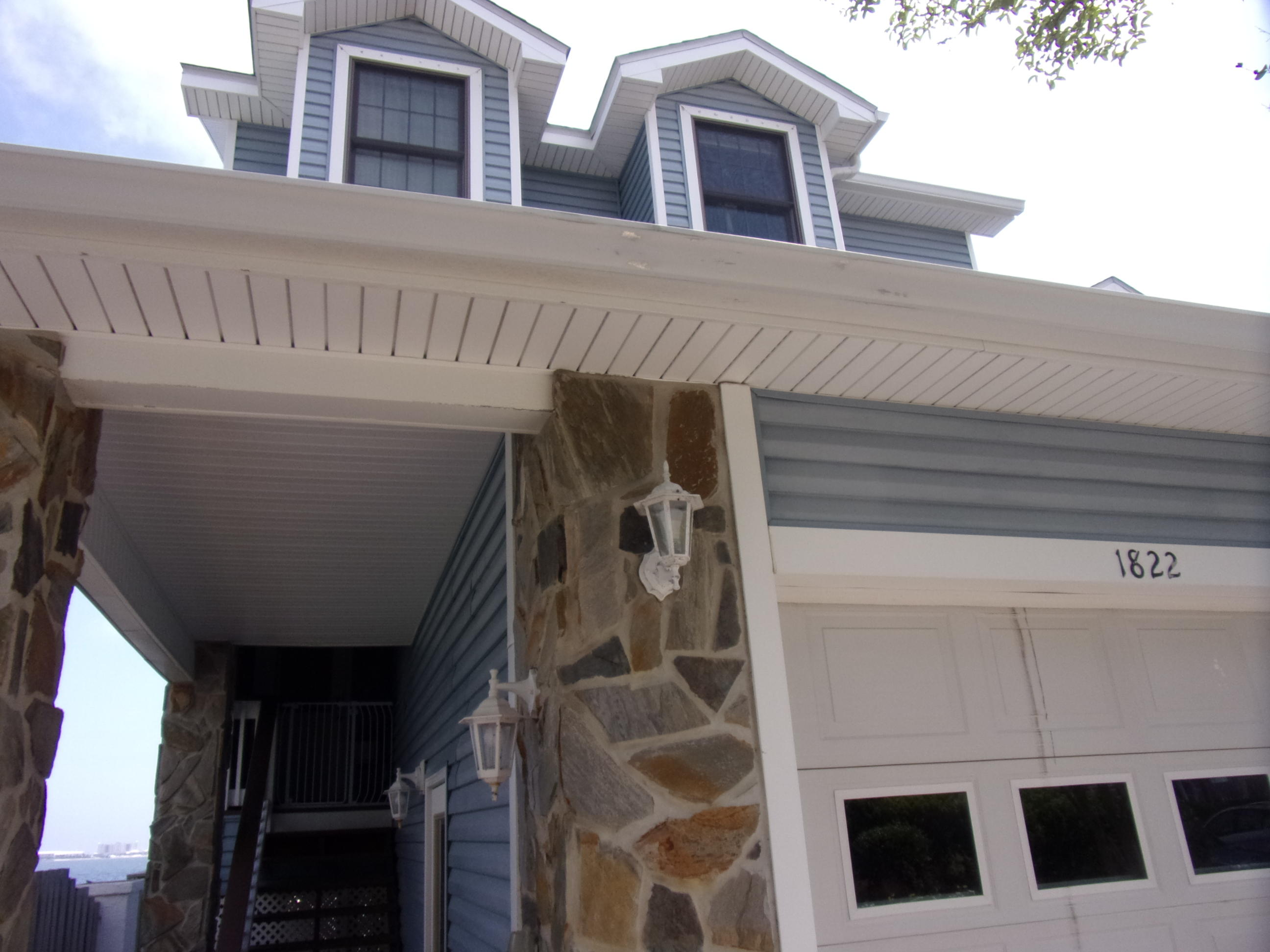 Photo of home for sale at 1822 Sea Pines, Navarre FL