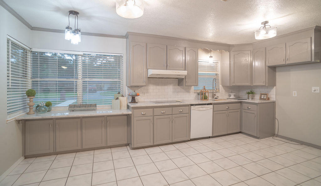 Photo of home for sale at 203 Camden, Pensacola FL