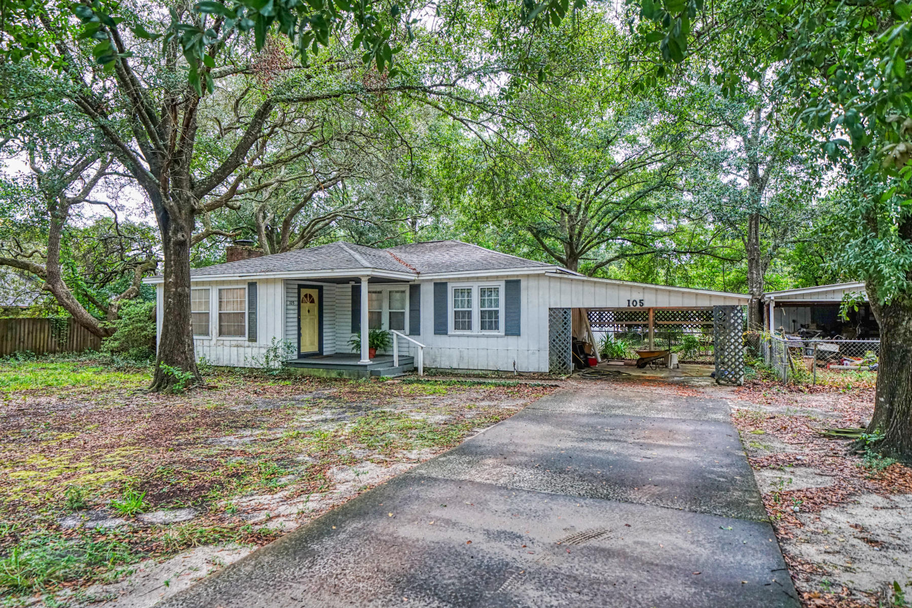 Photo of home for sale at 105 Lincoln, Fort Walton Beach FL