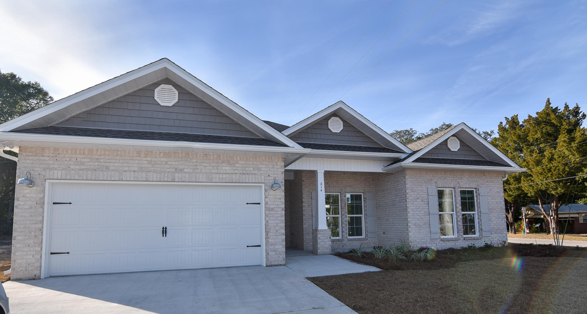 Photo of home for sale at 667 Red Fern, Crestview FL