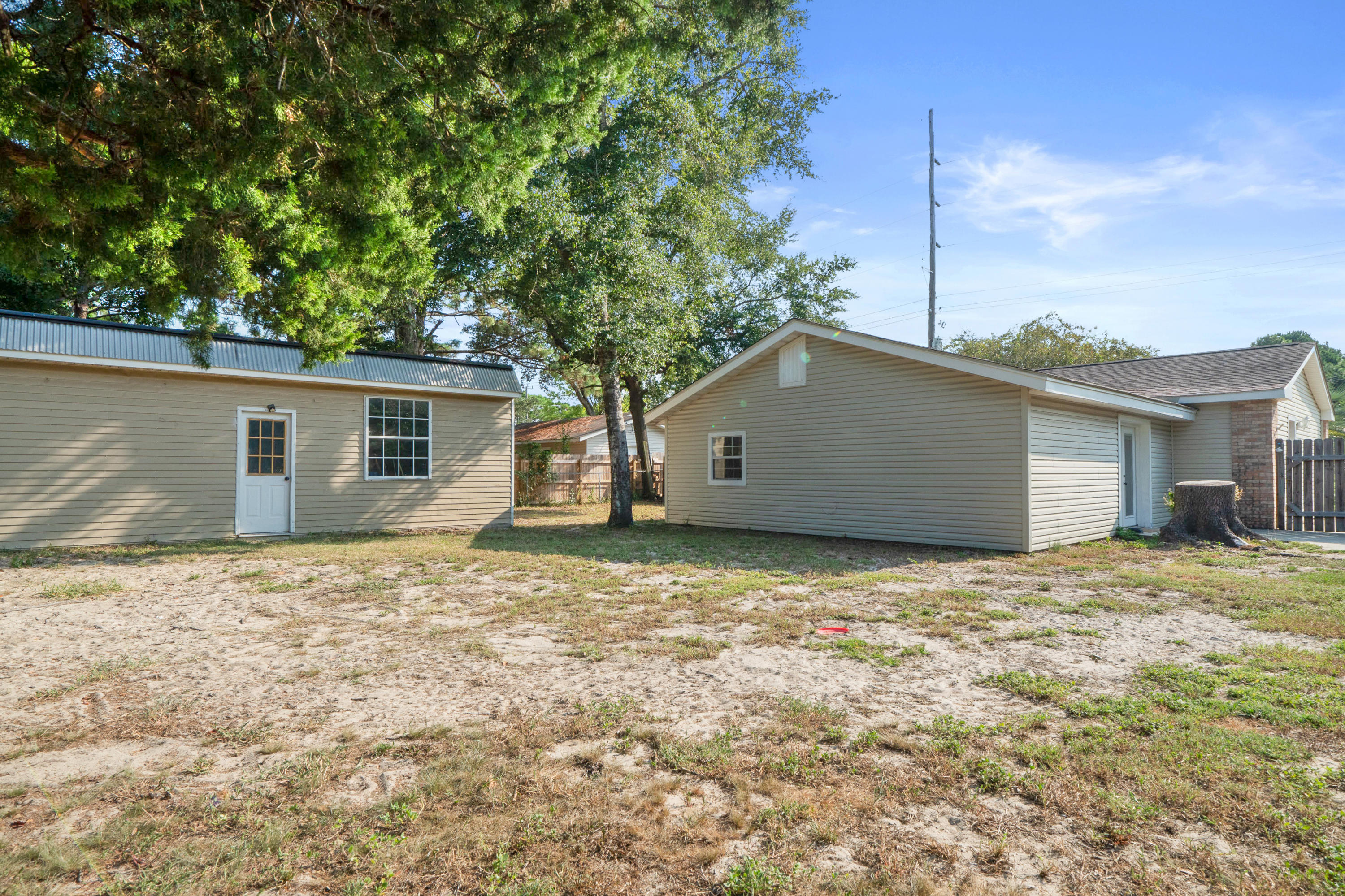 Photo of home for sale at 44 Jonquil, Fort Walton Beach FL