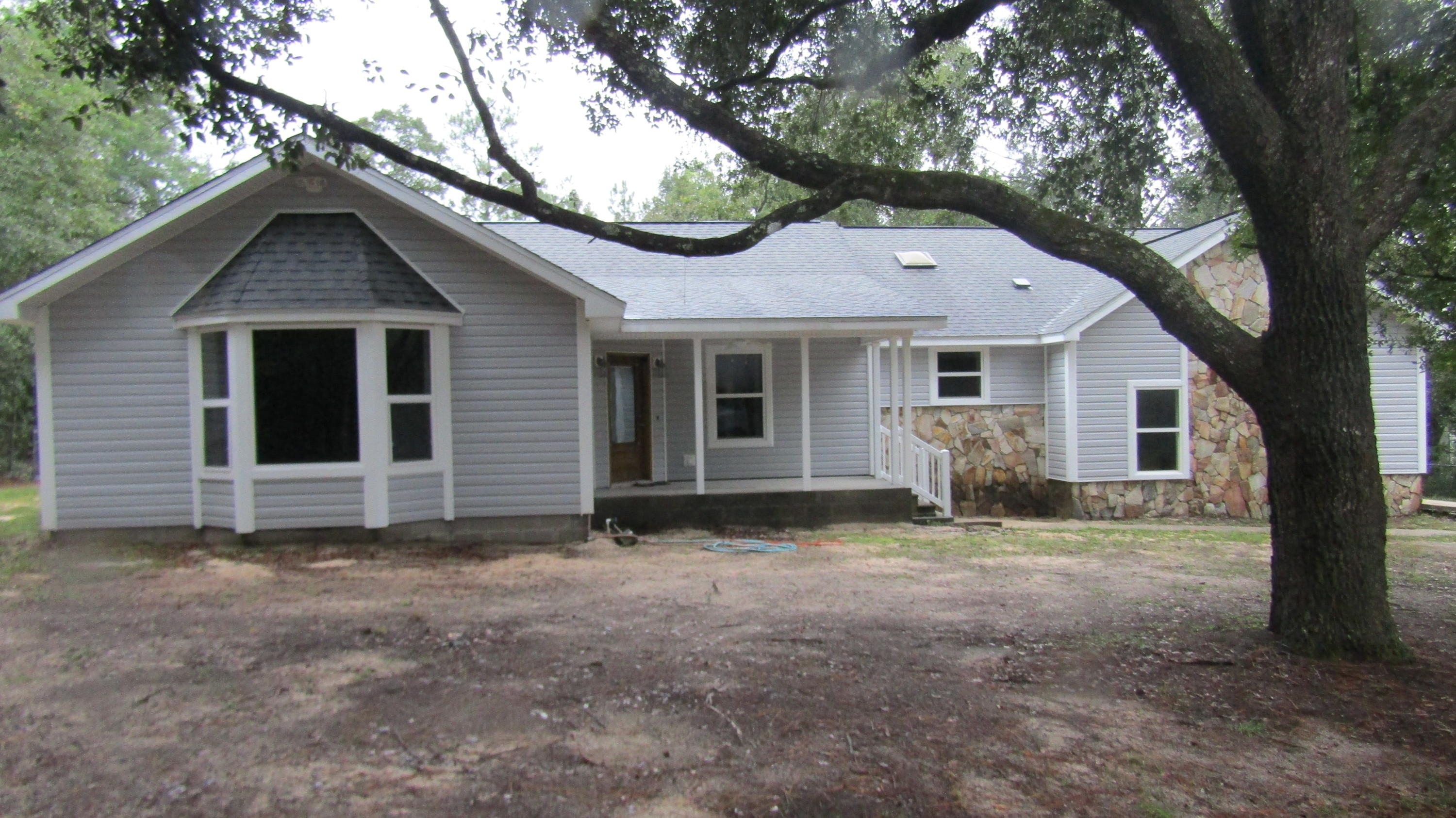 Photo of home for sale at 6130 Beasley, Crestview FL