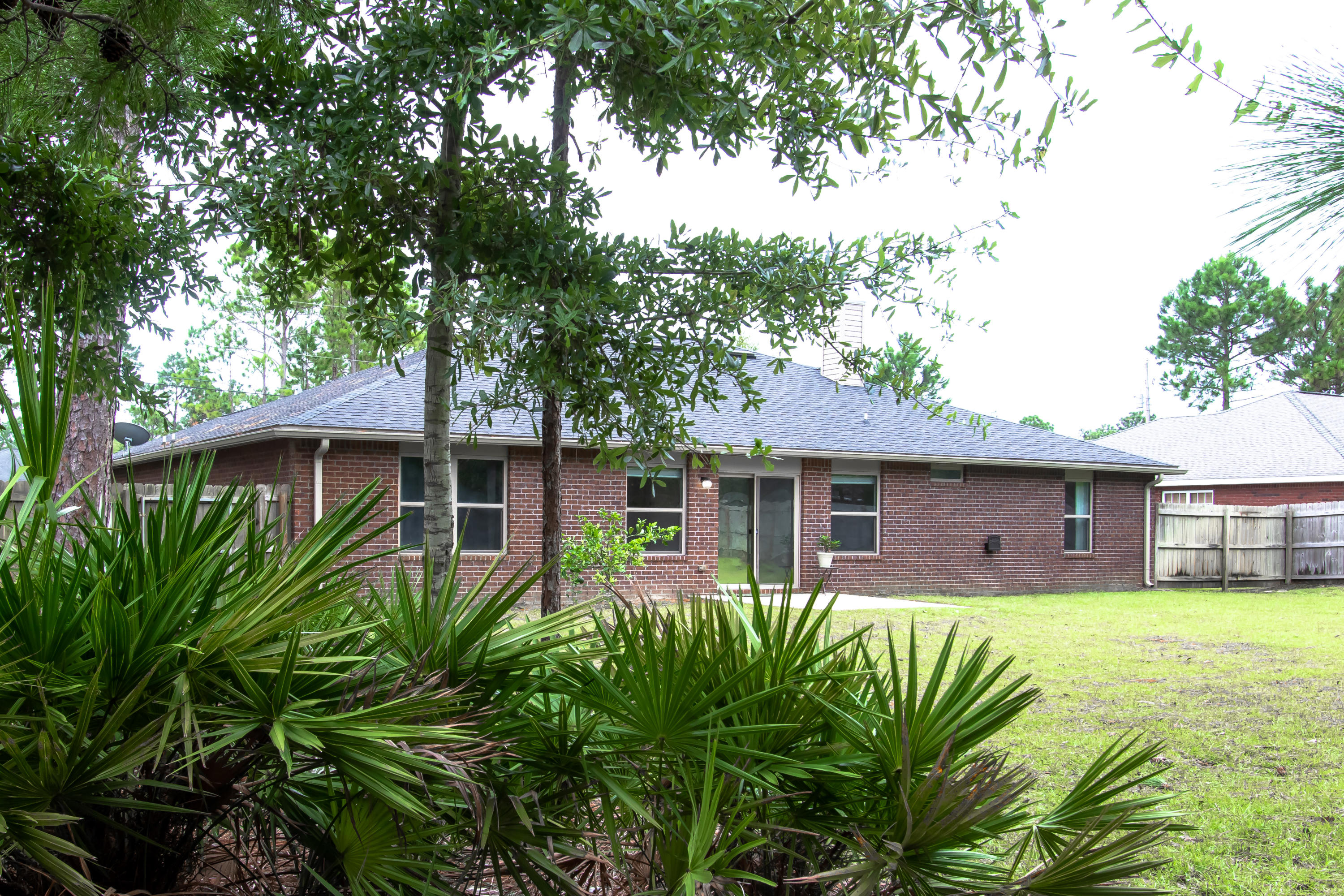Photo of home for sale at 8190 Verdura, Navarre FL