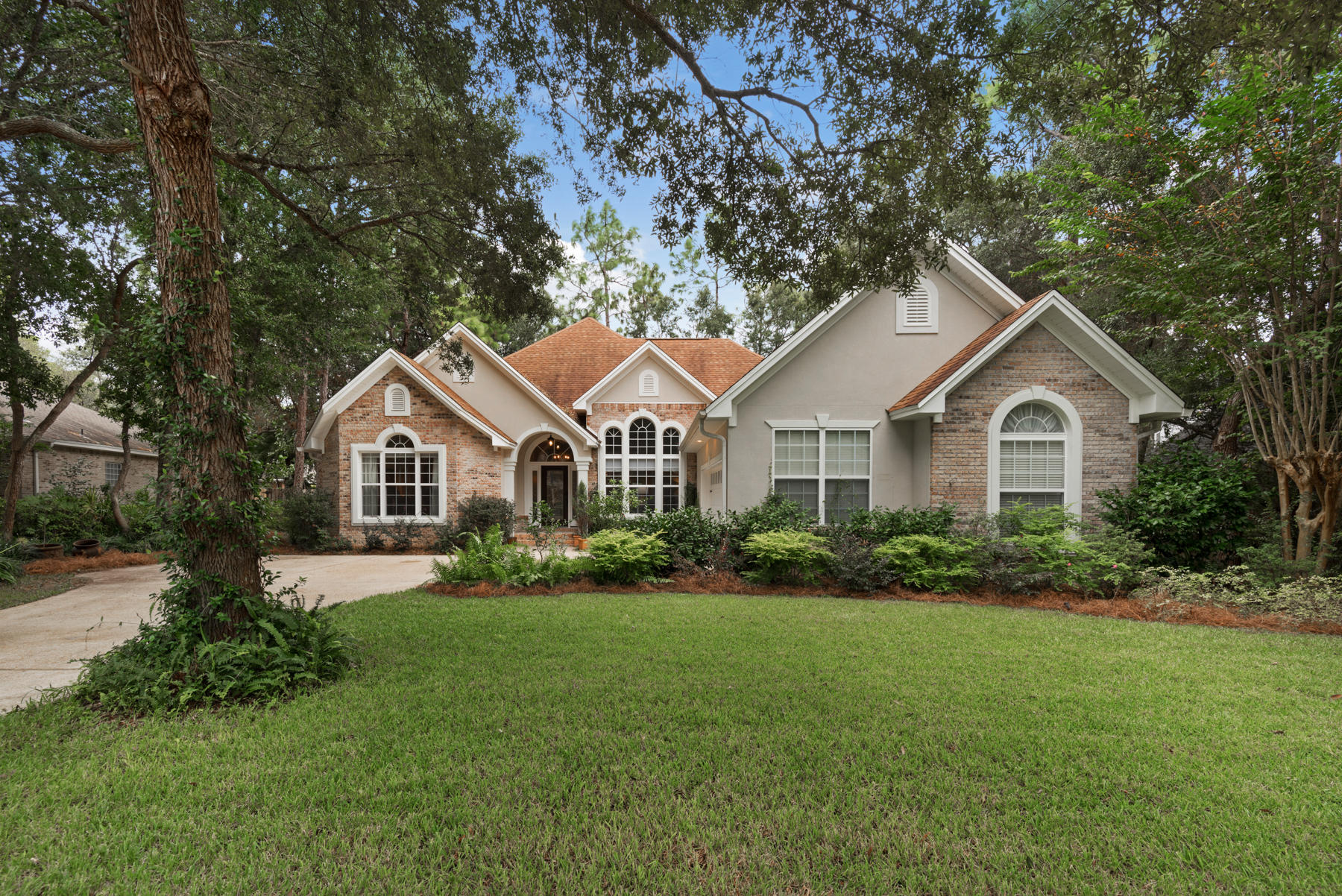 Photo of home for sale at 1417 Rum Still, Niceville FL