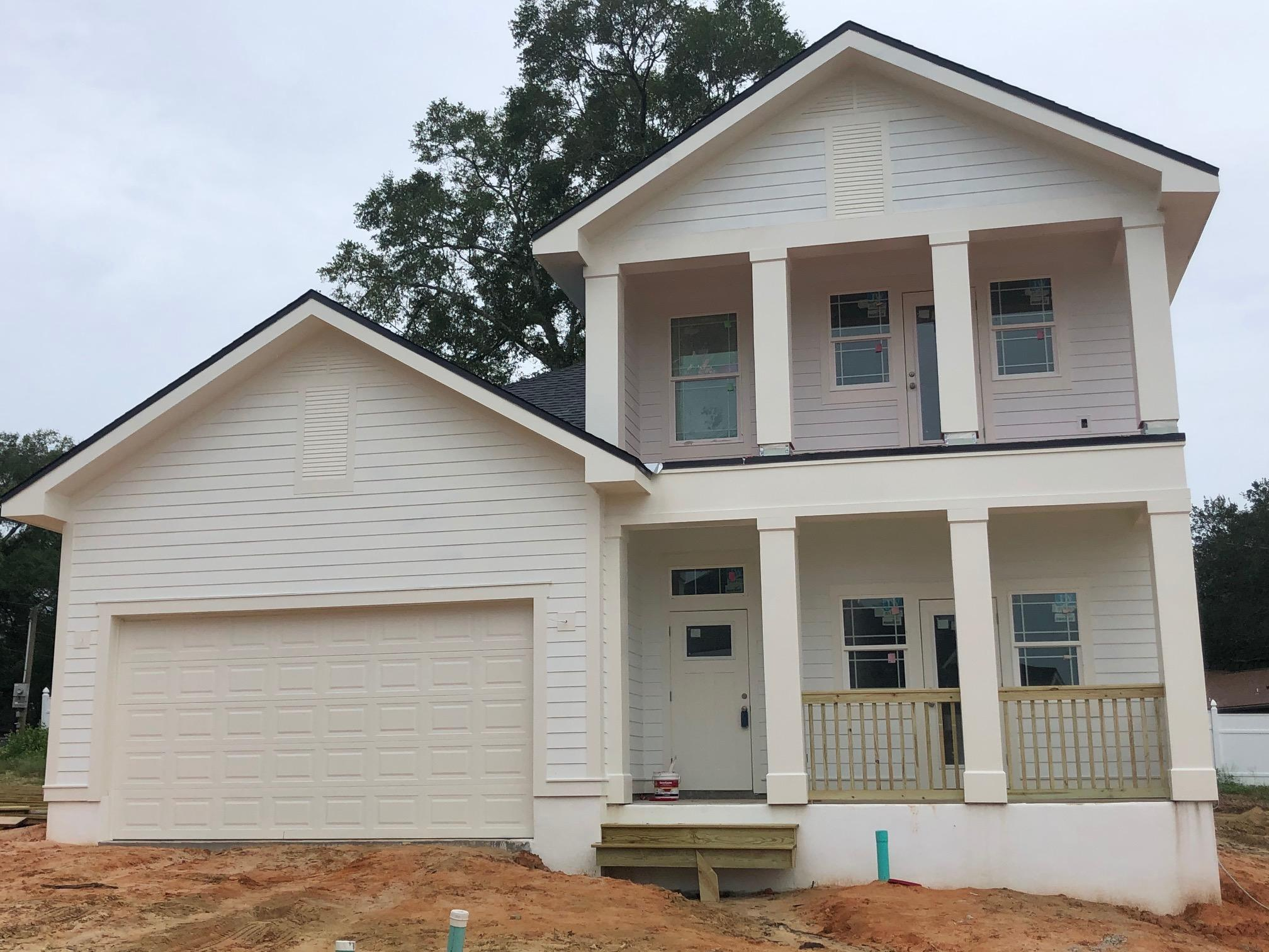Photo of home for sale at 401 Hideaway, Niceville FL