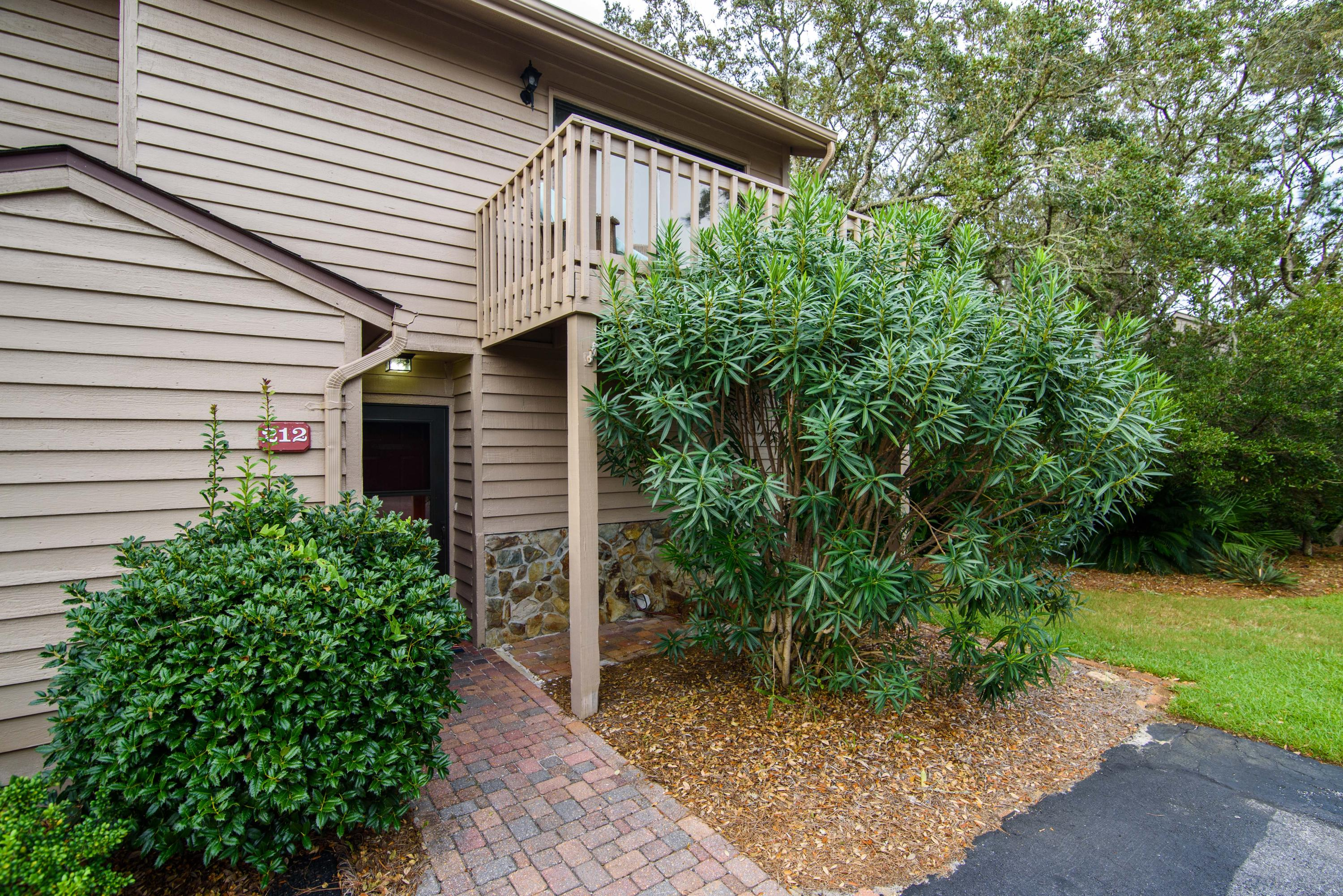 Photo of home for sale at 101 Myrtle, Santa Rosa Beach FL