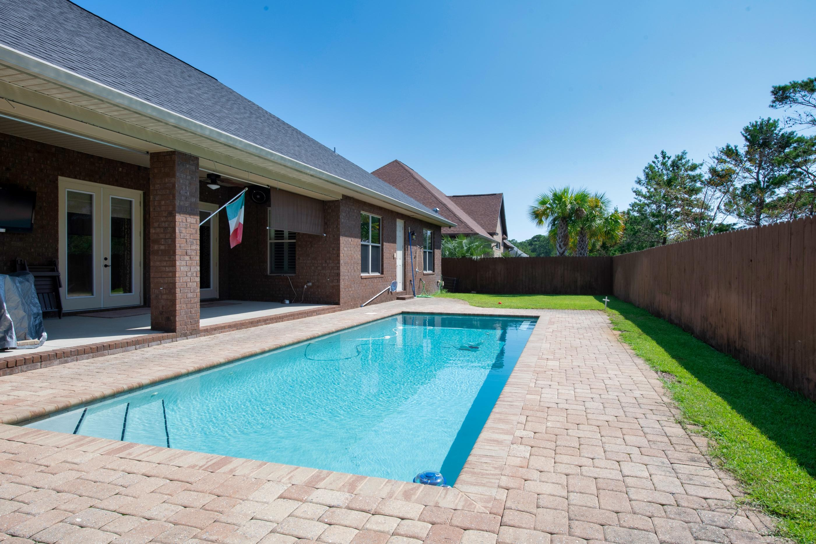 Photo of home for sale at 2021 Fontainebleau, Navarre FL