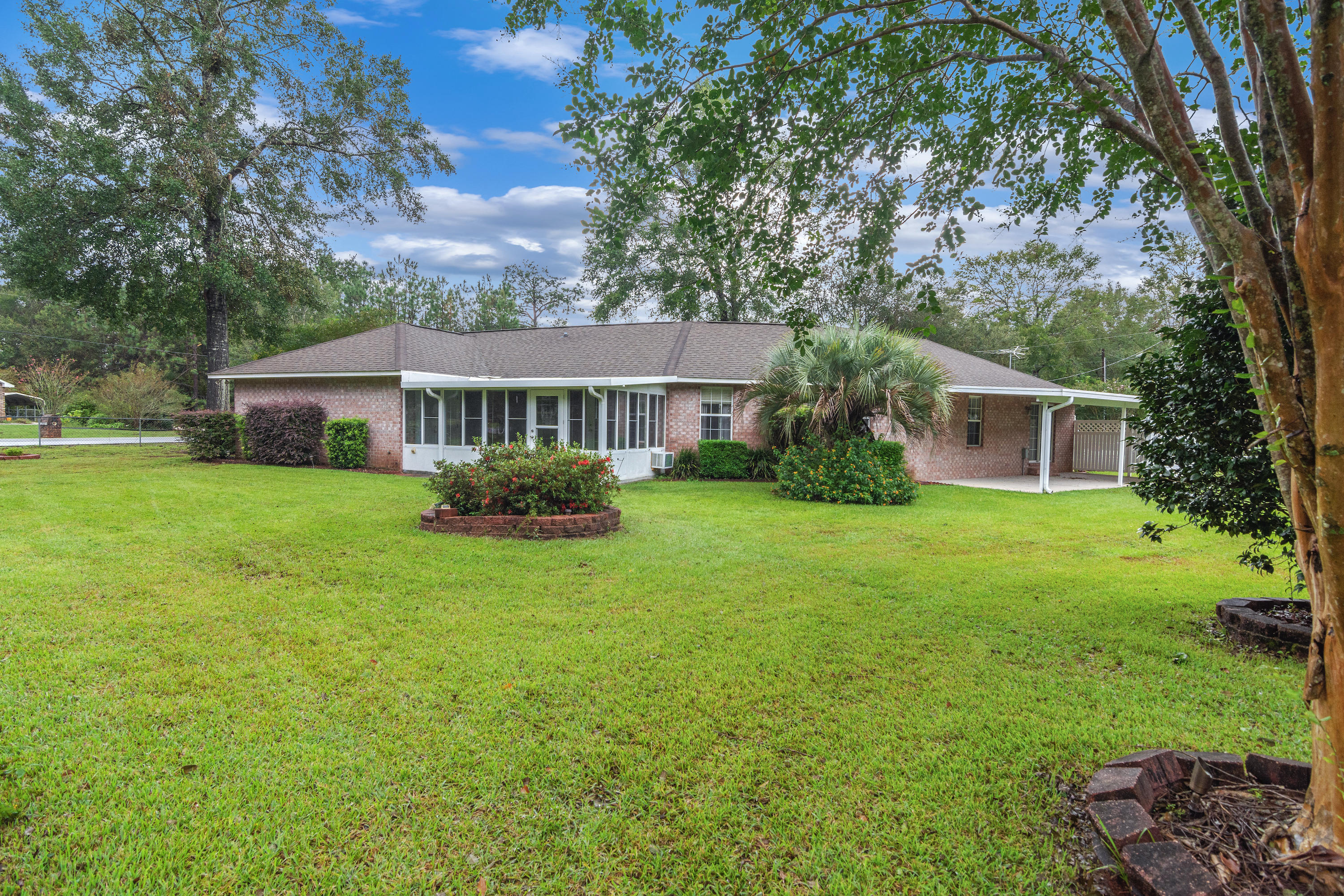 Photo of home for sale at 4401 Dandy, Pace FL