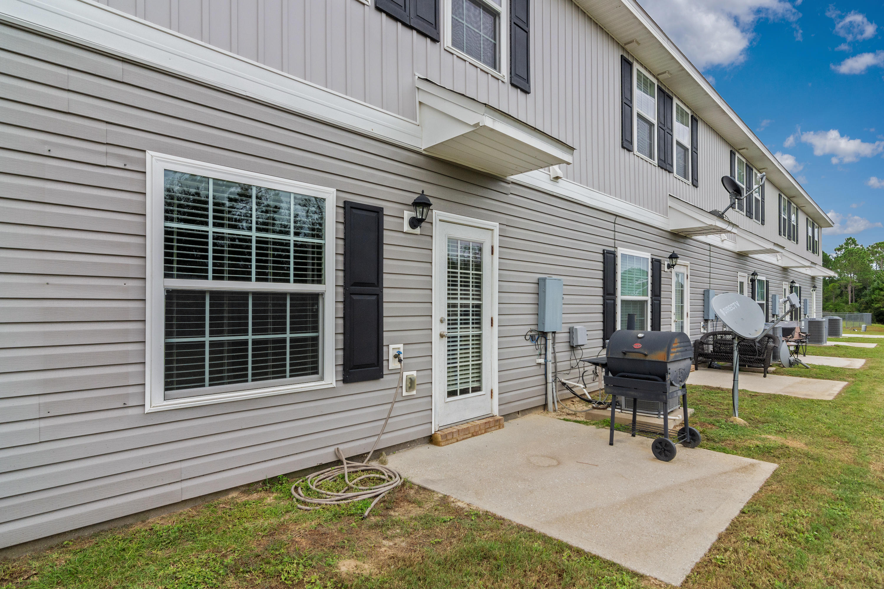 Photo of home for sale at 173 Iron Horse, Crestview FL