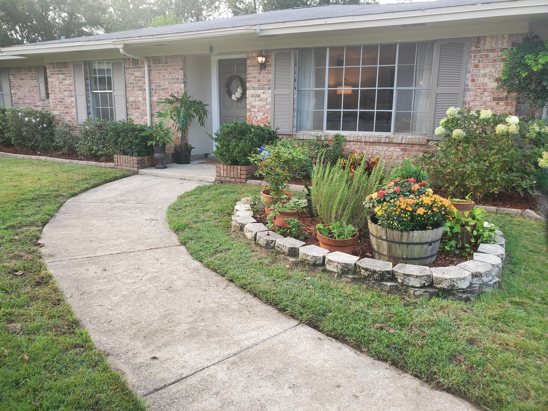 Photo of home for sale at 8 Poplar, Shalimar FL