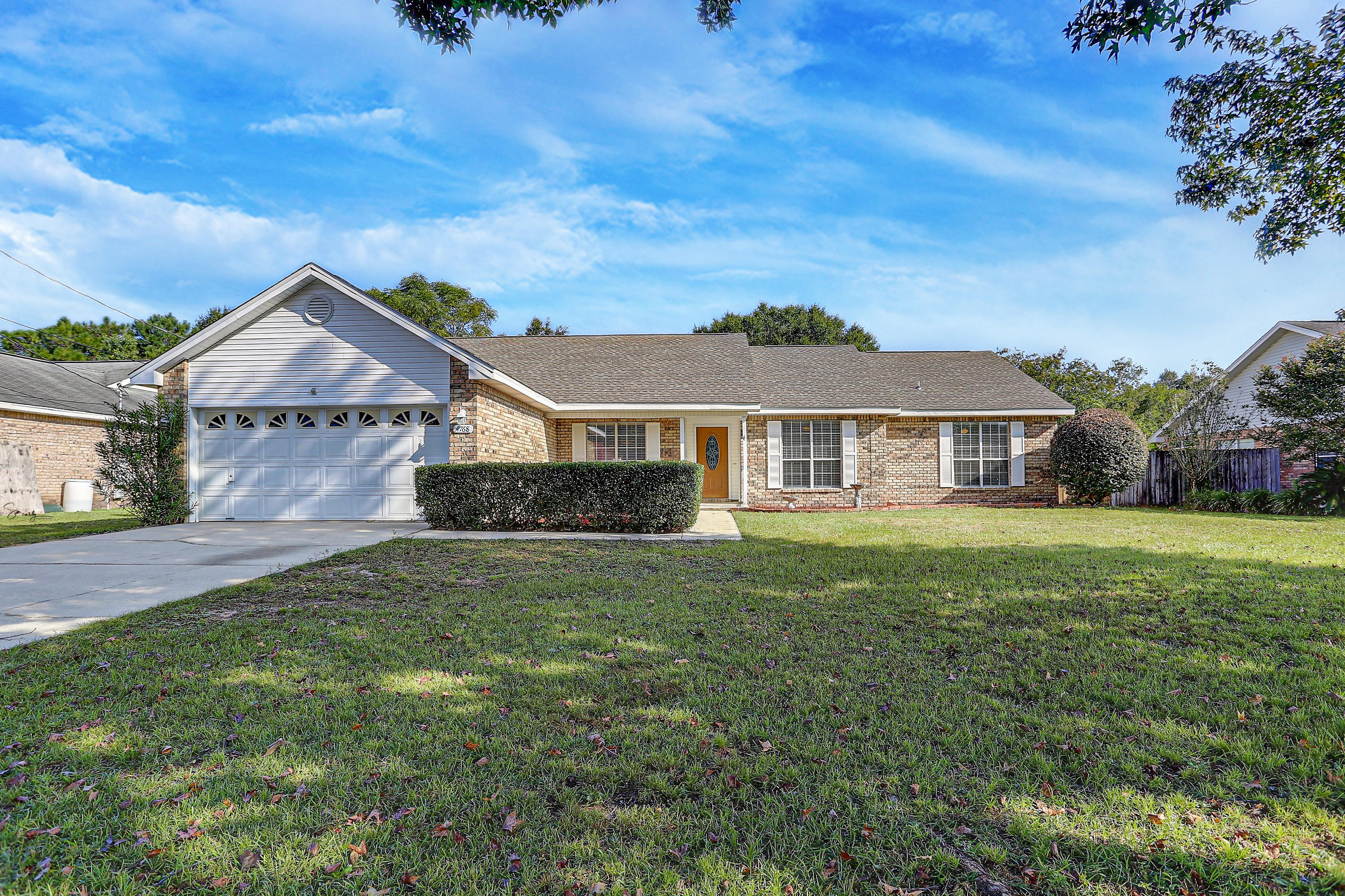 Photo of home for sale at 4768 Coronado, Crestview FL