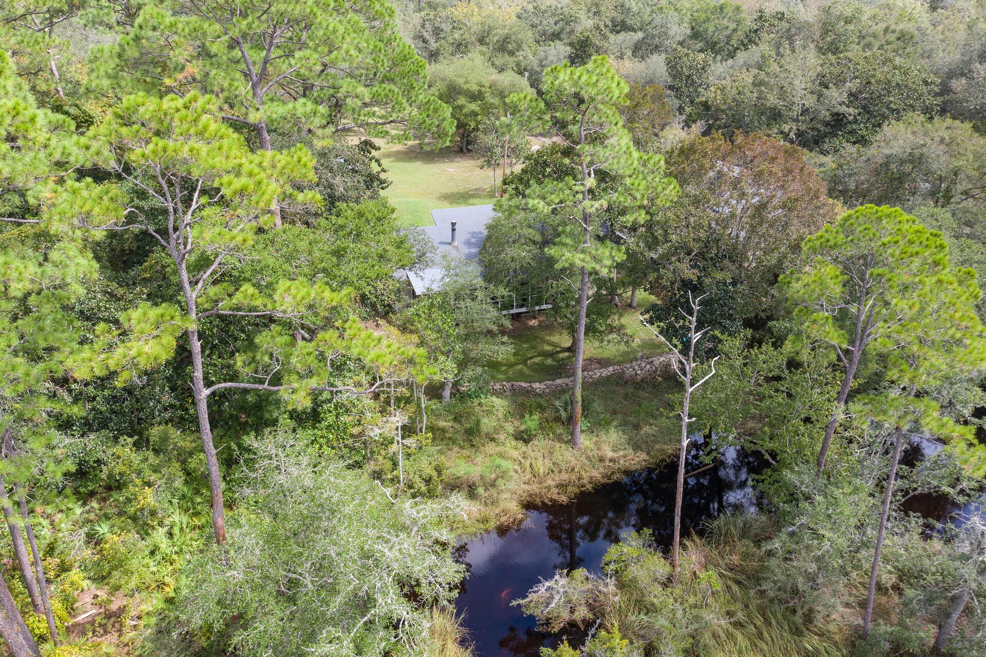 Photo of home for sale at 7400 Bernadette, Navarre FL