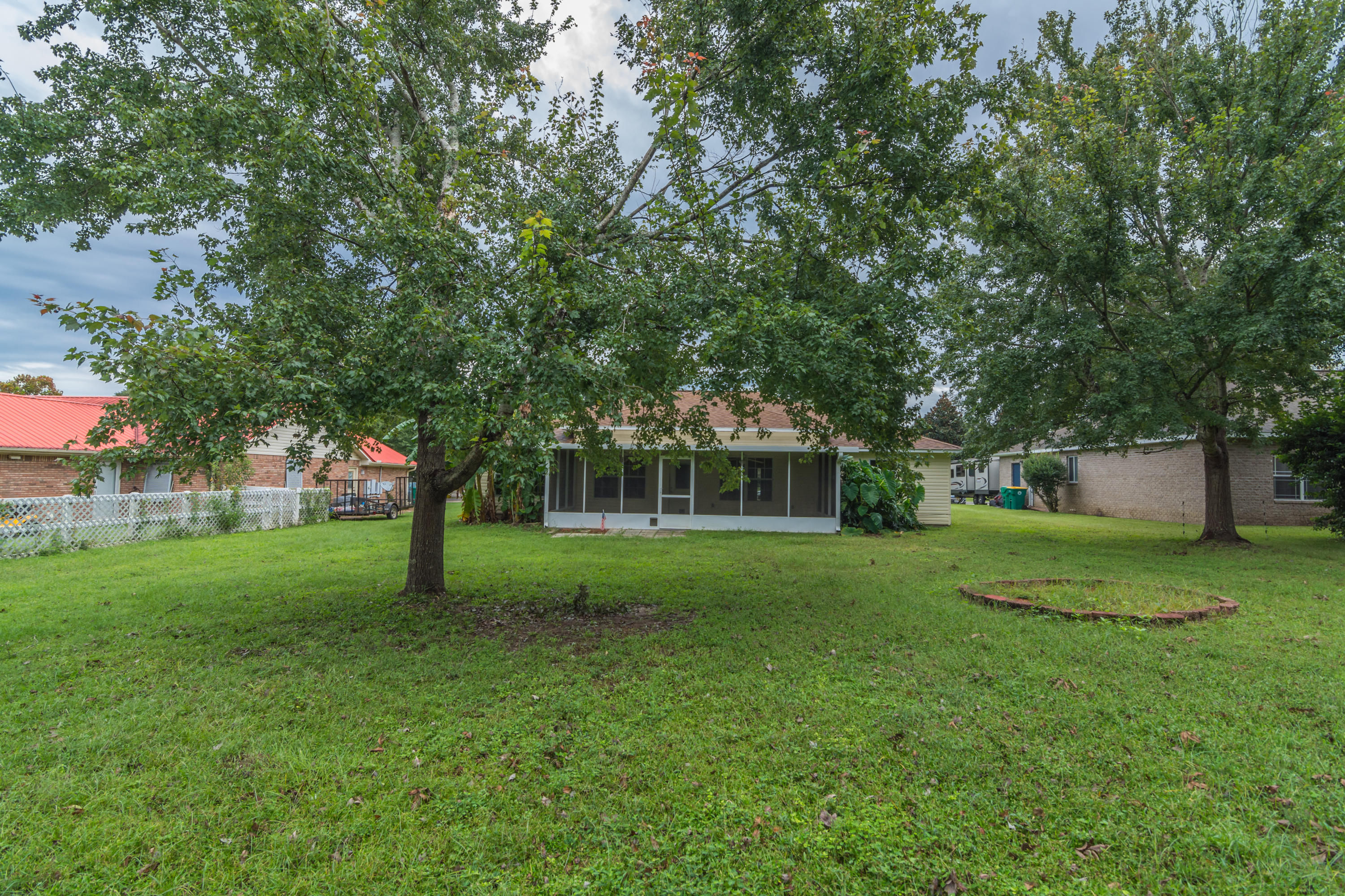 Photo of home for sale at 112 Pointer, Crestview FL