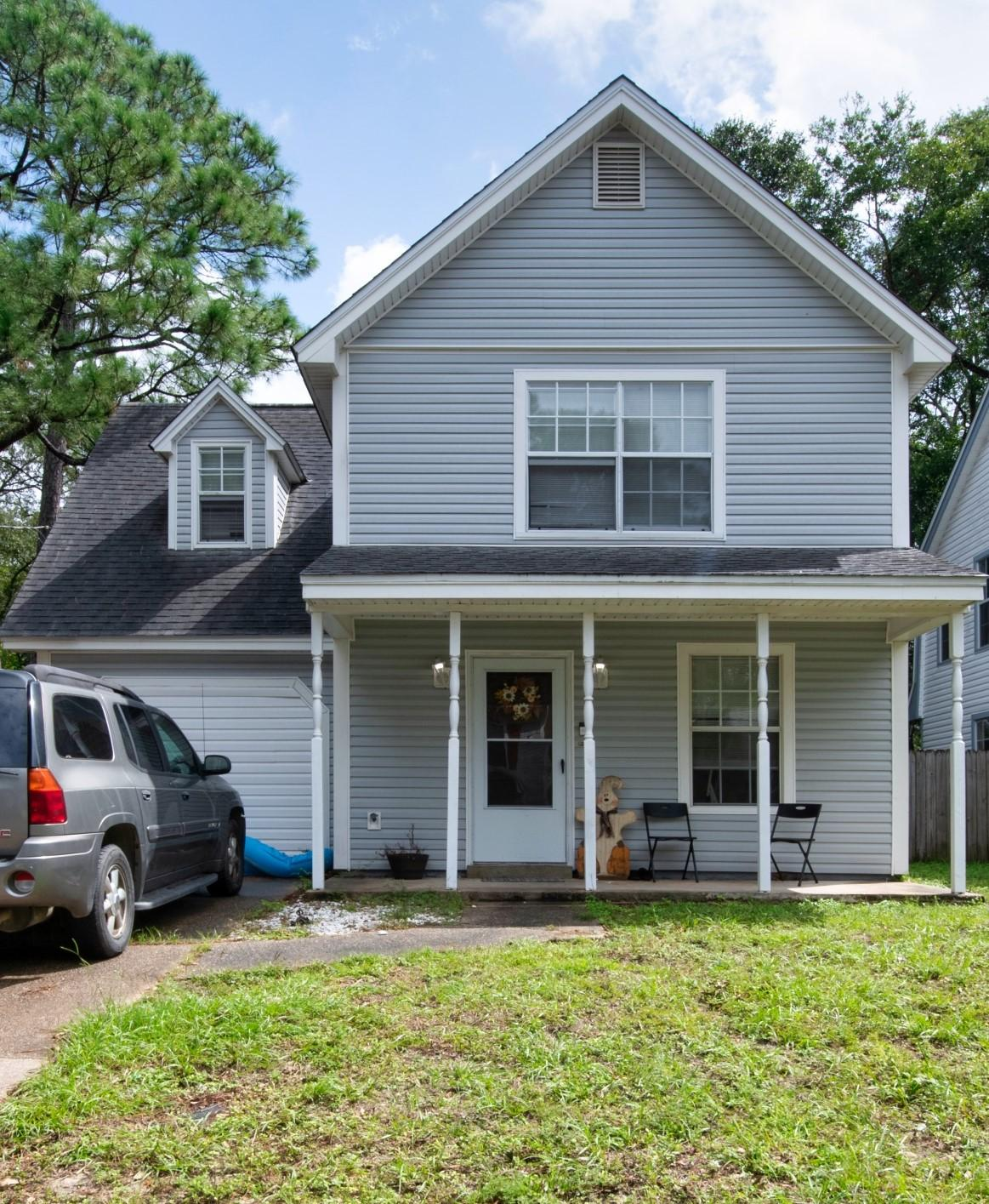 Photo of home for sale at 621 Lloyd, Fort Walton Beach FL