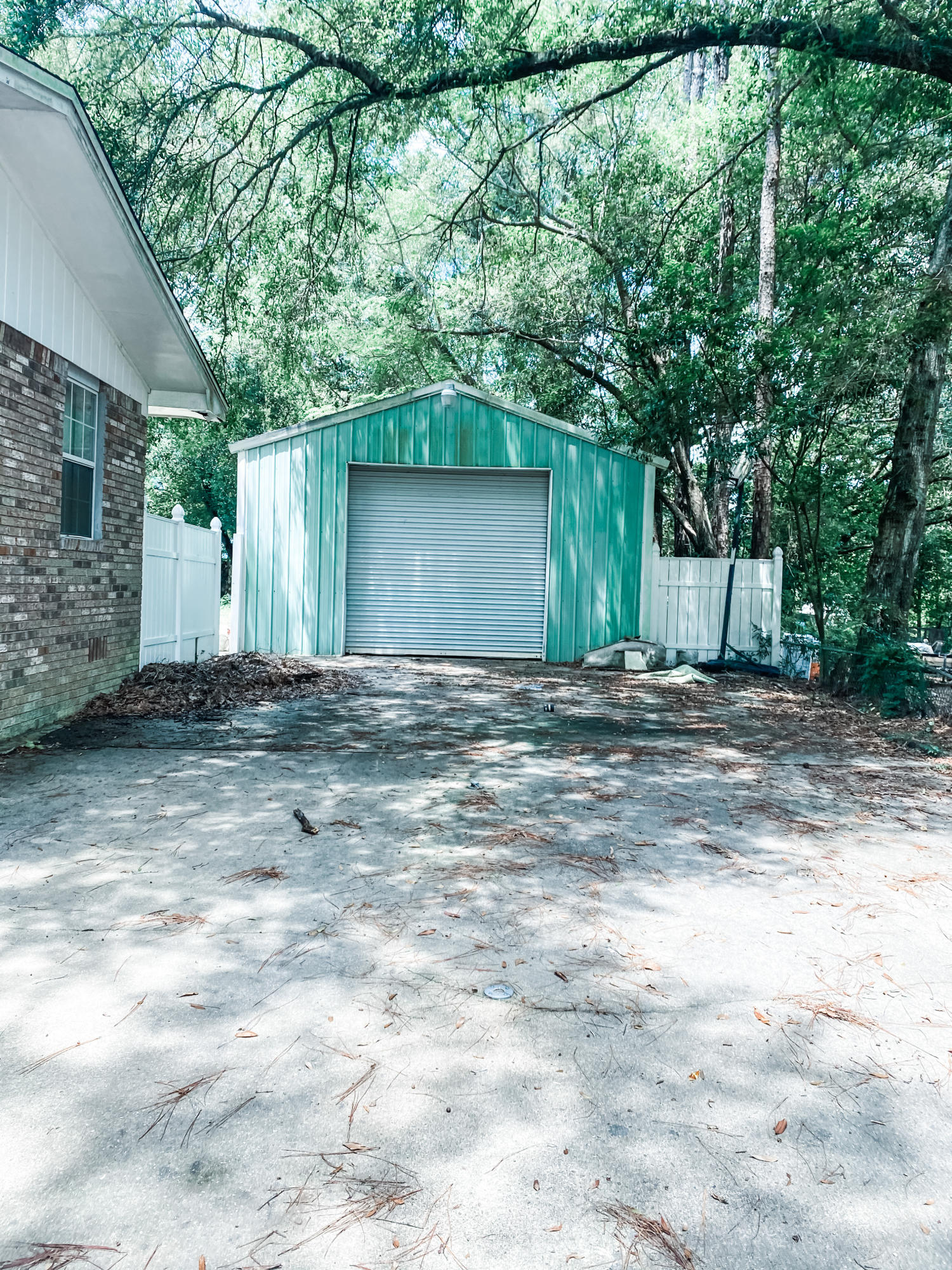 Photo of home for sale at 624 Brock, Crestview FL