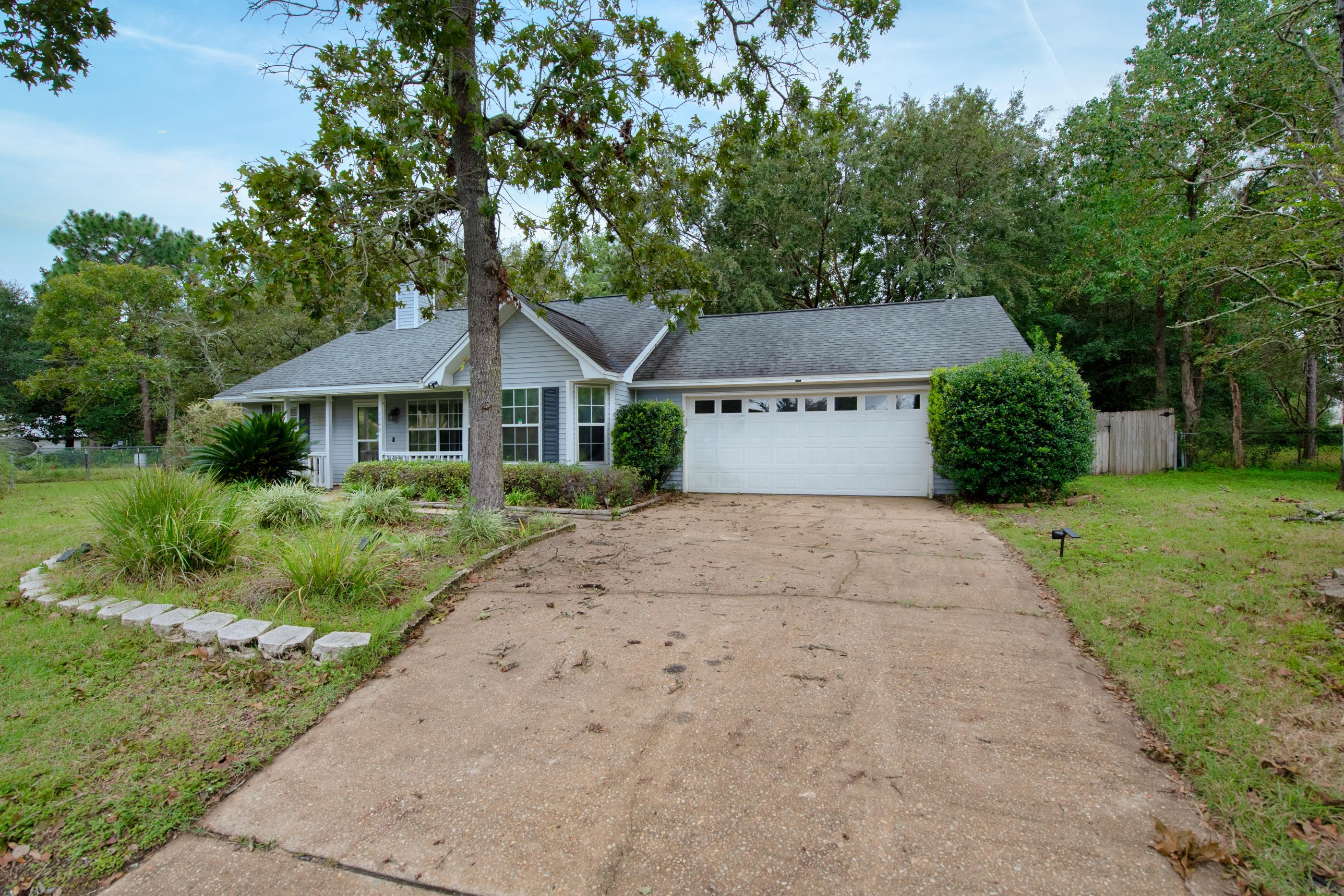 Photo of home for sale at 3345 Shoal Creek, Crestview FL