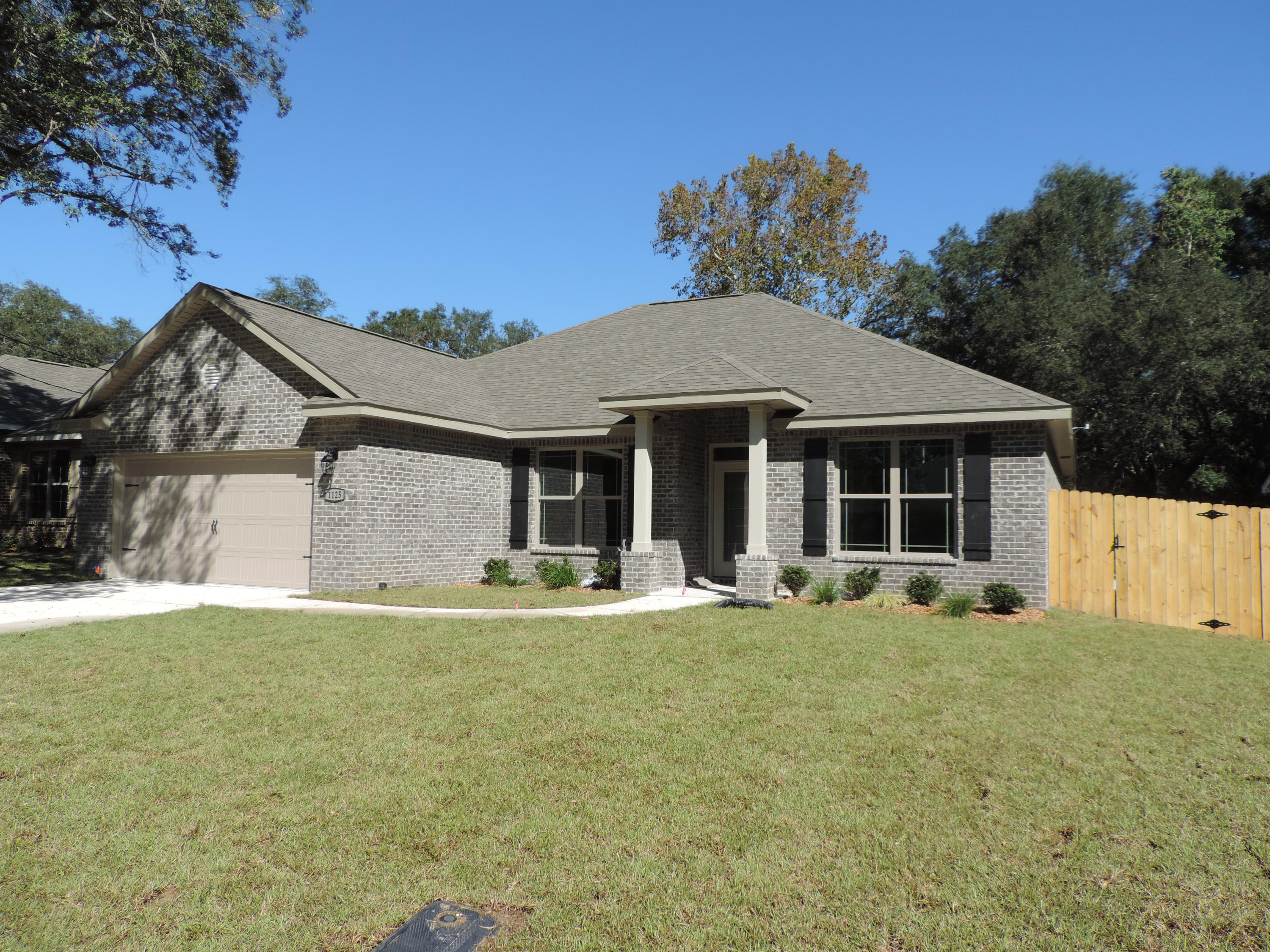 Photo of home for sale at 1125 46th, Niceville FL