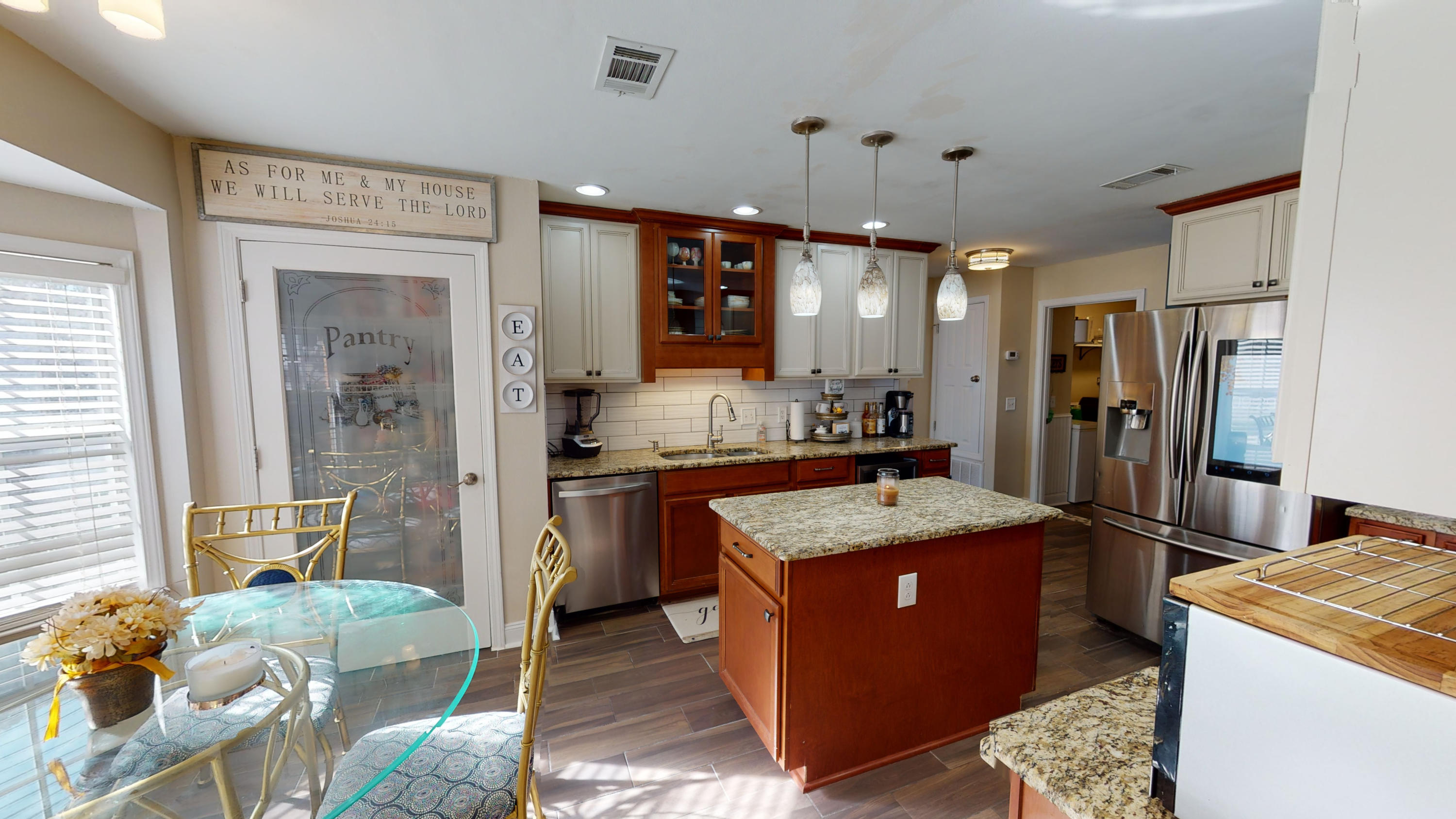 Photo of home for sale at 1941 Jessica, Navarre FL