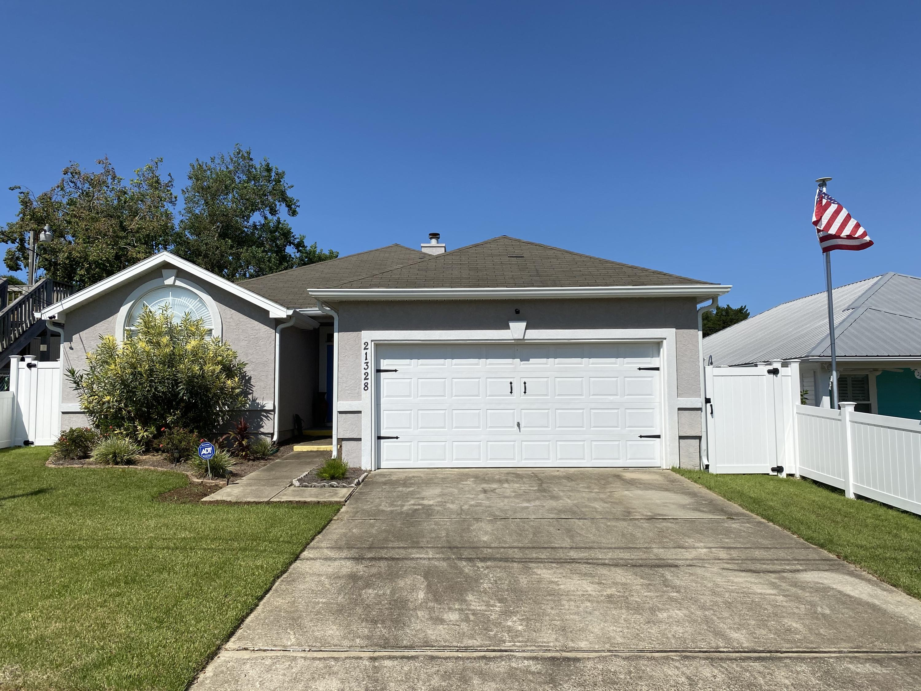 Photo of home for sale at 21328 Dolphin Ave., Panama City Beach FL