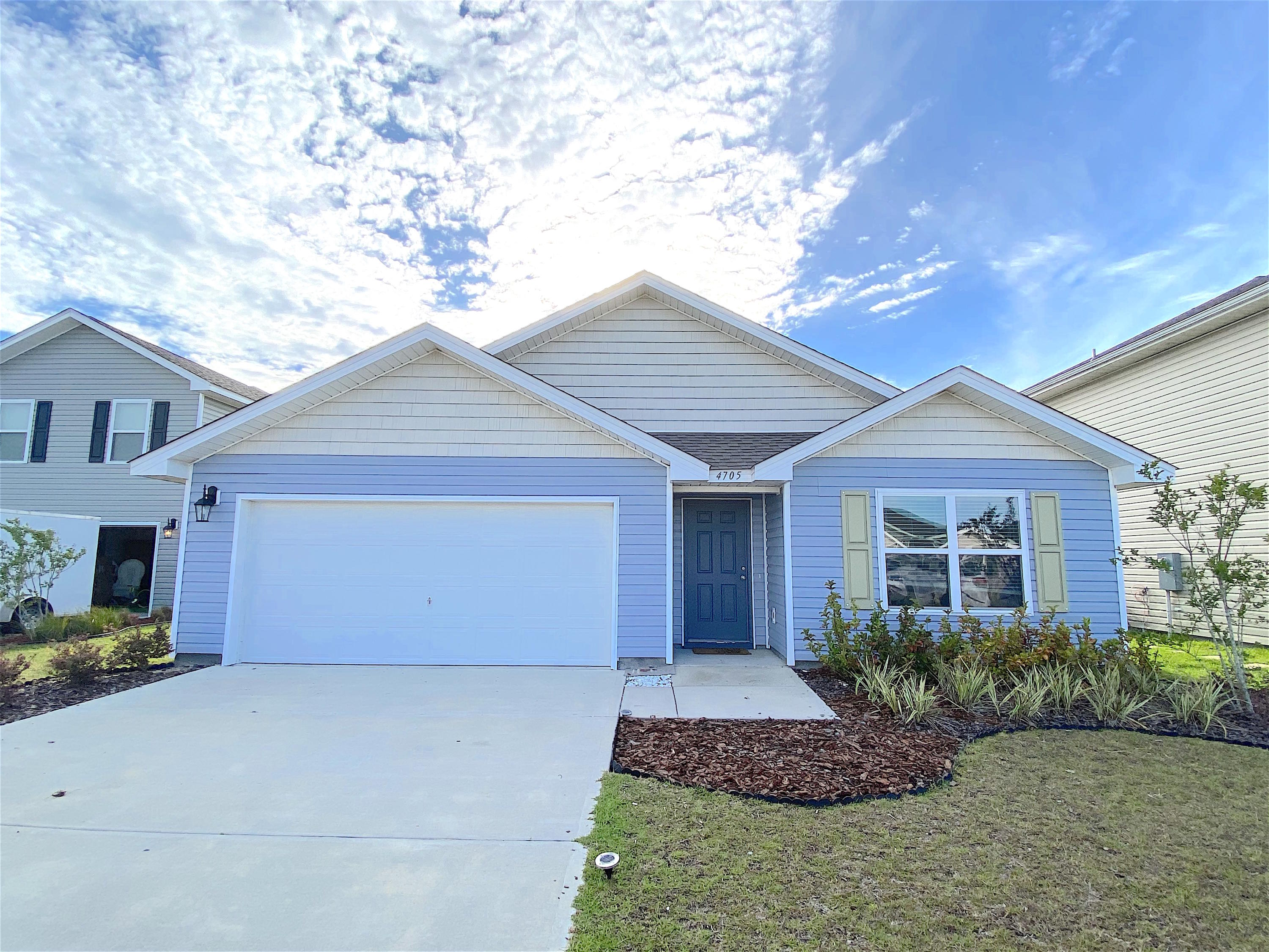 Photo of home for sale at 4705 Windsor Park, Panama City FL