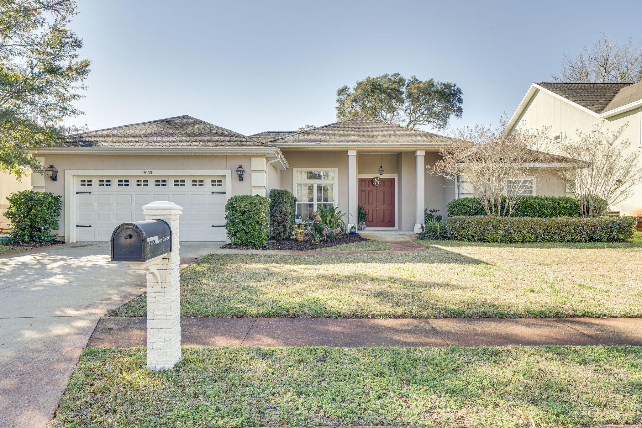 Photo of home for sale at 4190 Mossy Cove, Niceville FL