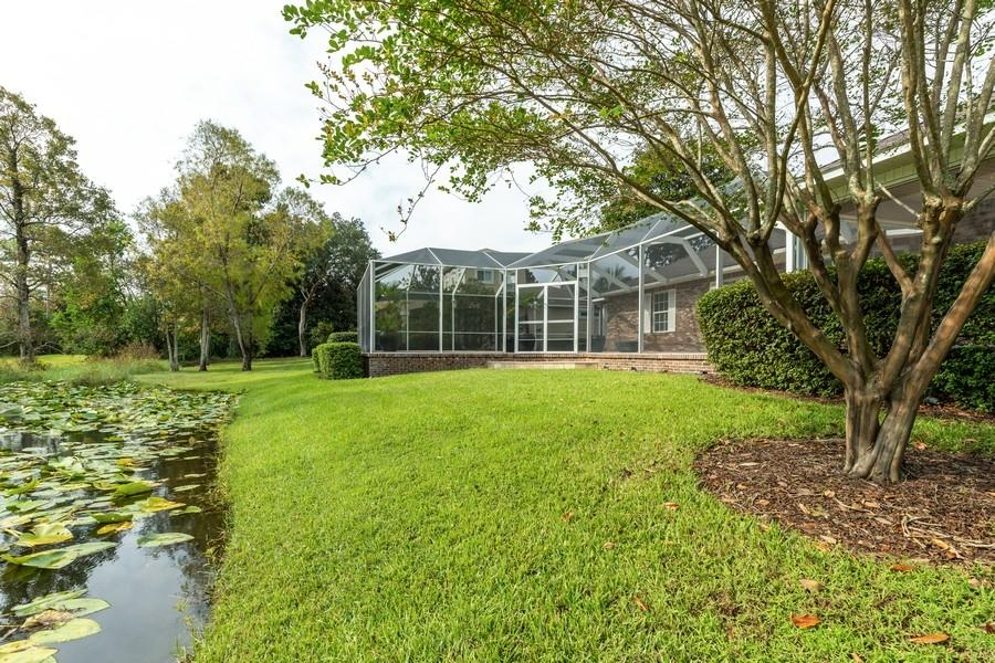 Photo of home for sale at 1383 Windward, Niceville FL