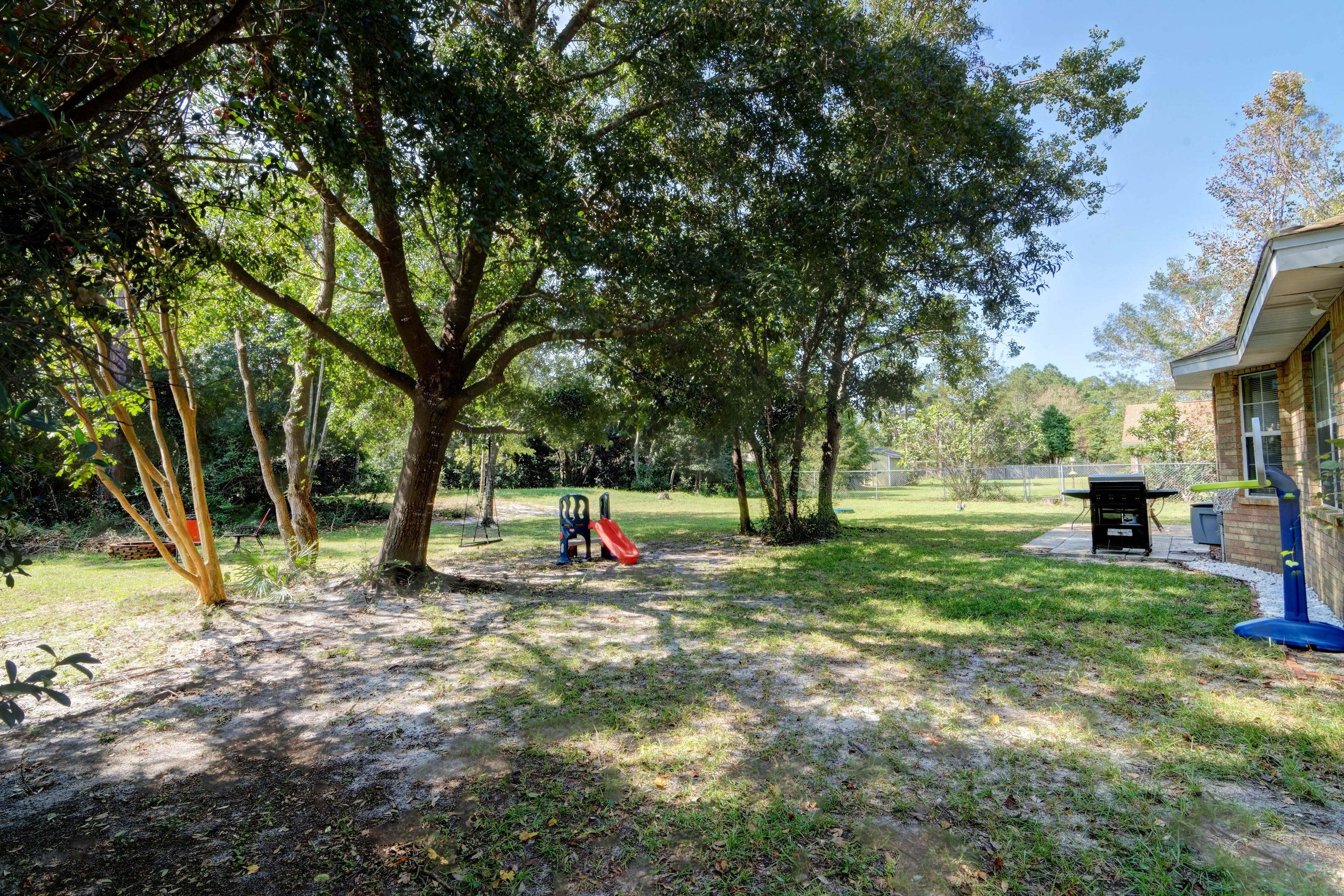 Photo of home for sale at 6759 Flintwood, Navarre FL