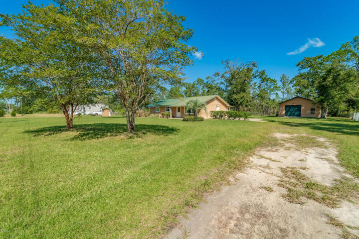 Photo of home for sale at 713 Newman Point, Southport FL