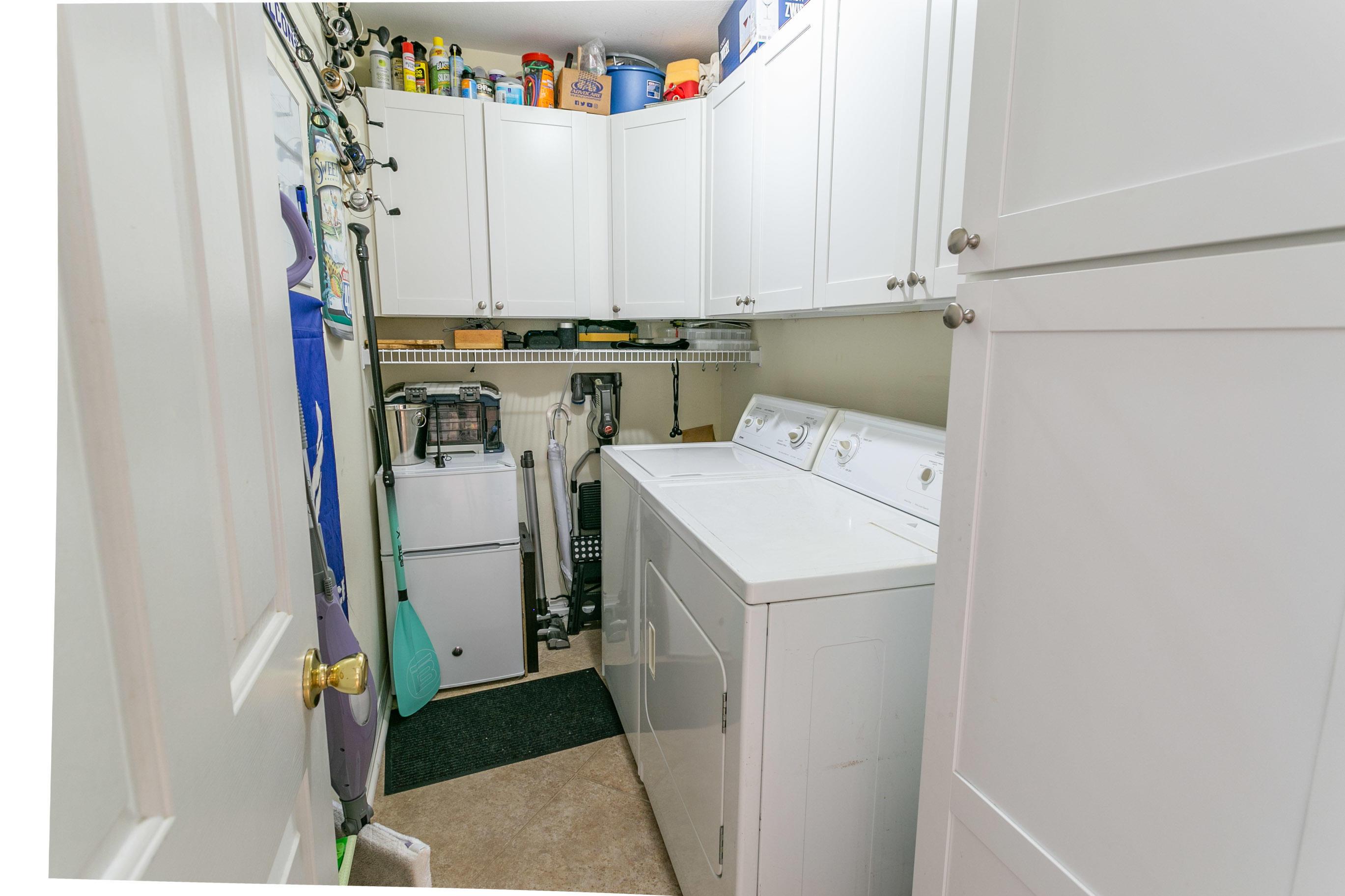 Photo of home for sale at 705 Gulf Shore, Destin FL