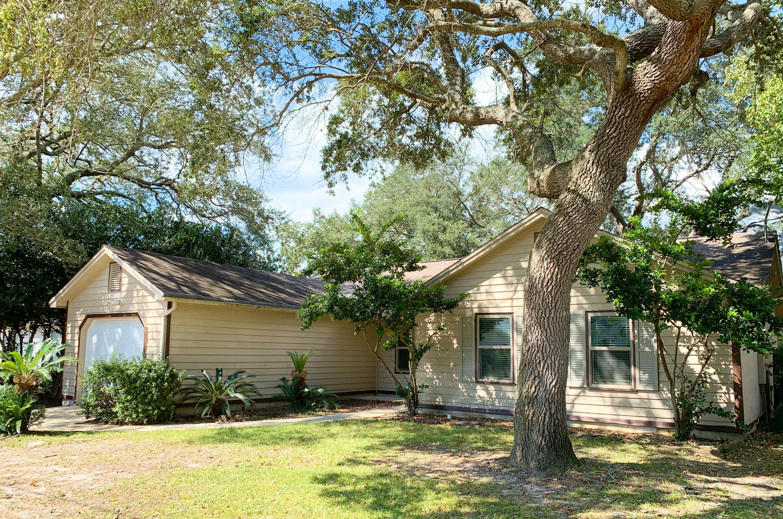 Photo of home for sale at 286 Honeysuckle, Niceville FL