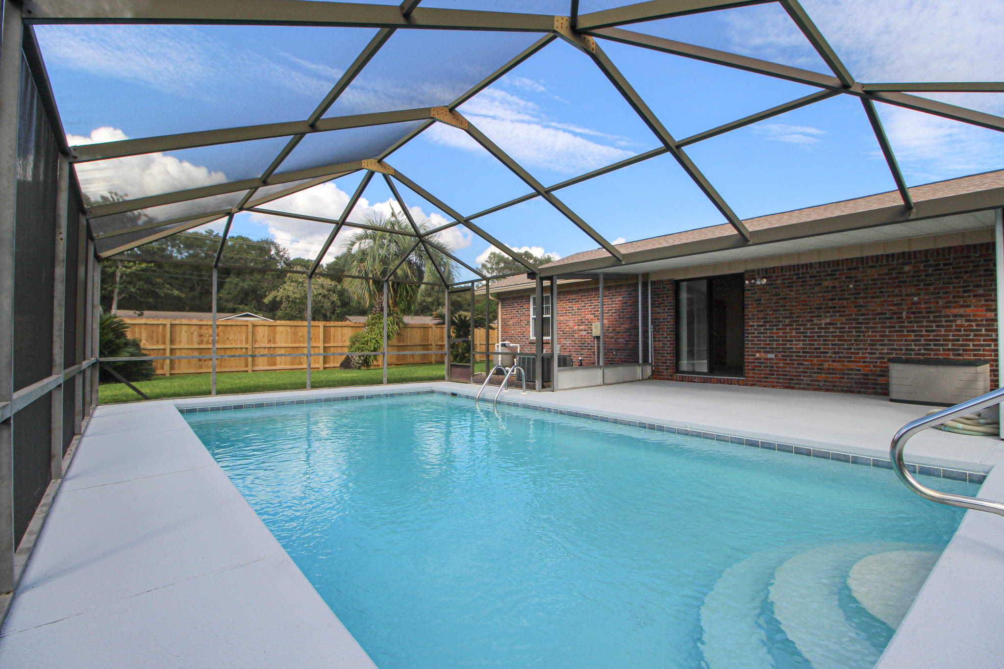 Photo of home for sale at 89 11th, Shalimar FL