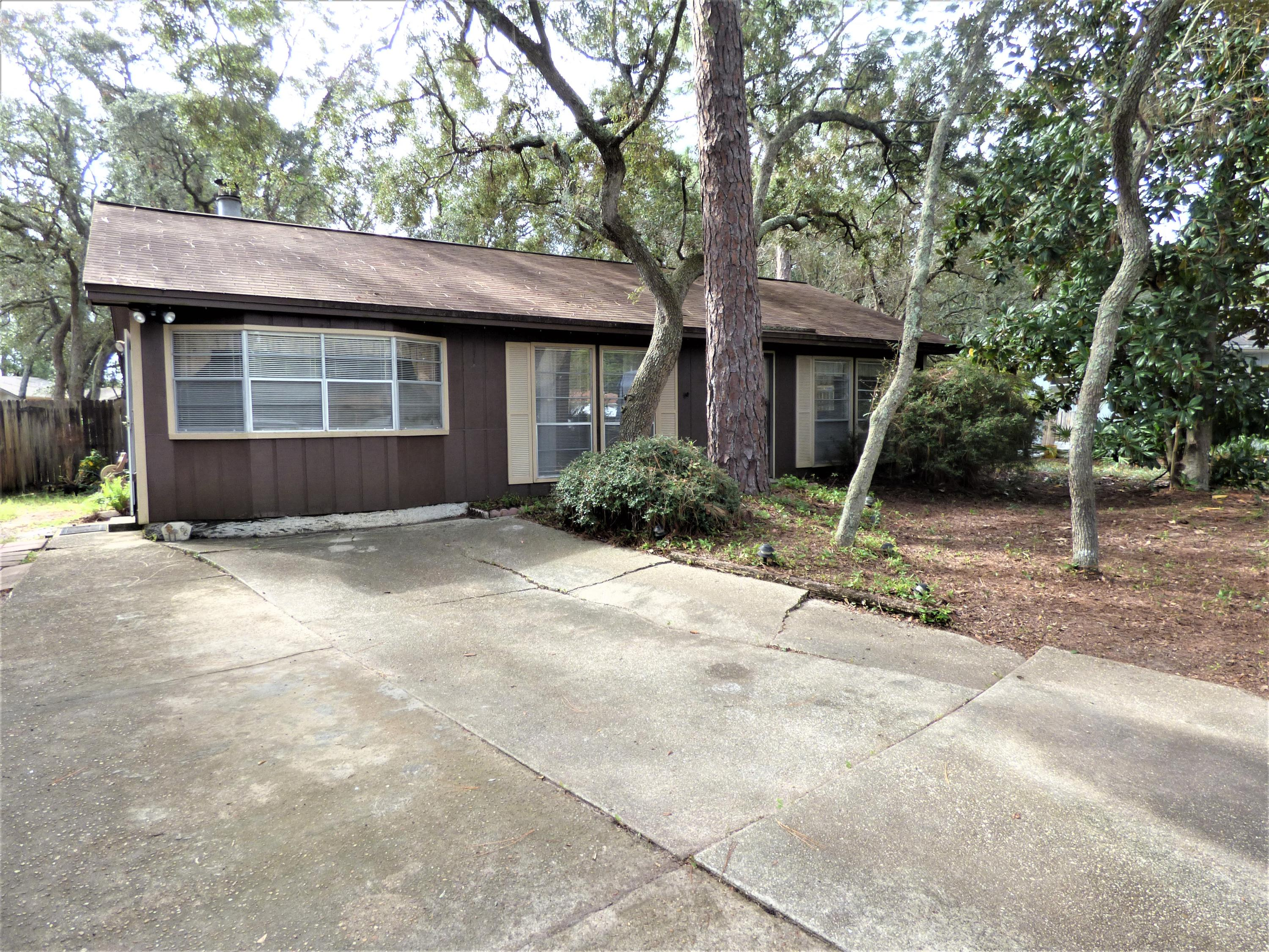 Photo of home for sale at 66 6th, Shalimar FL