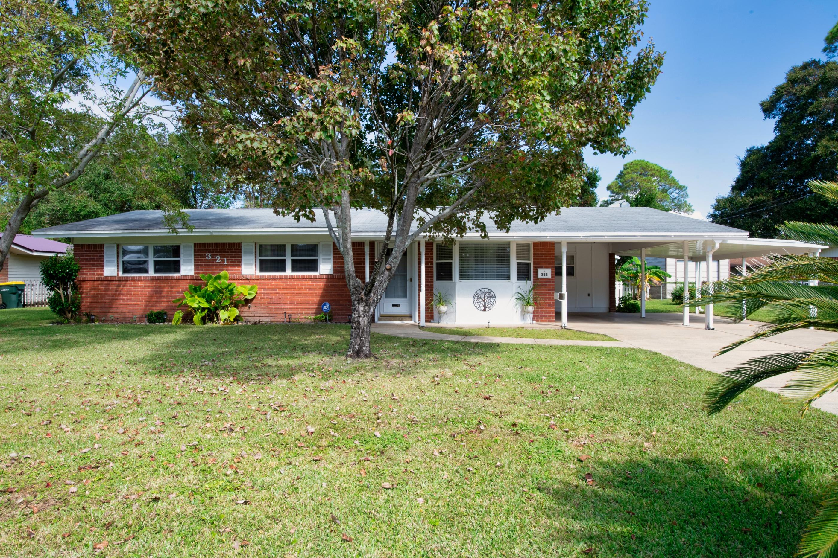 Photo of home for sale at 321 Lula Belle, Fort Walton Beach FL