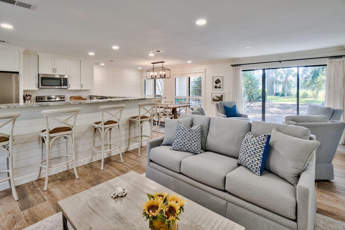 Photo of home for sale at 738 Sandpiper, Miramar Beach FL